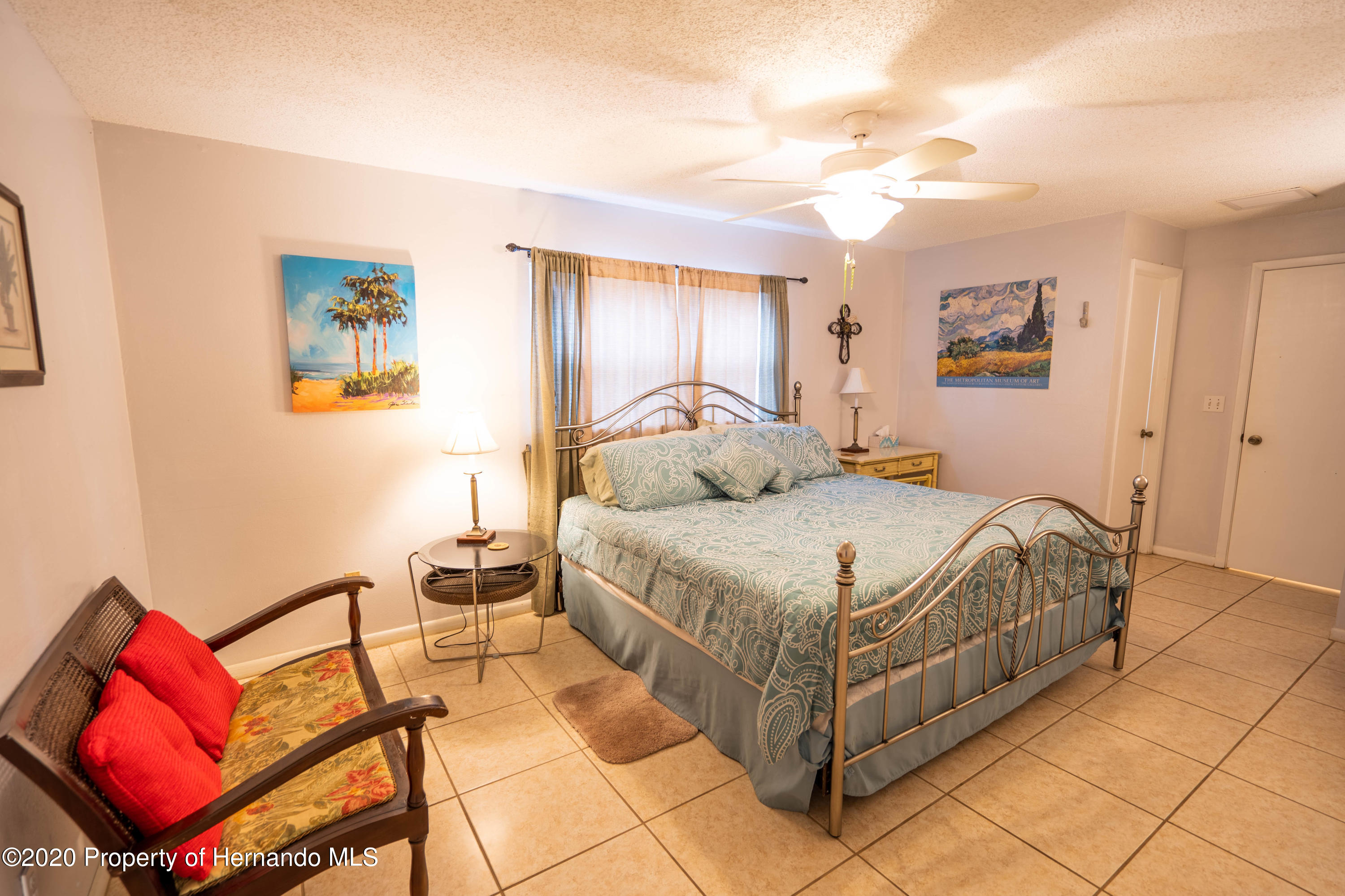 Listing photo id 31 for 6107 Avenue Of The Palms