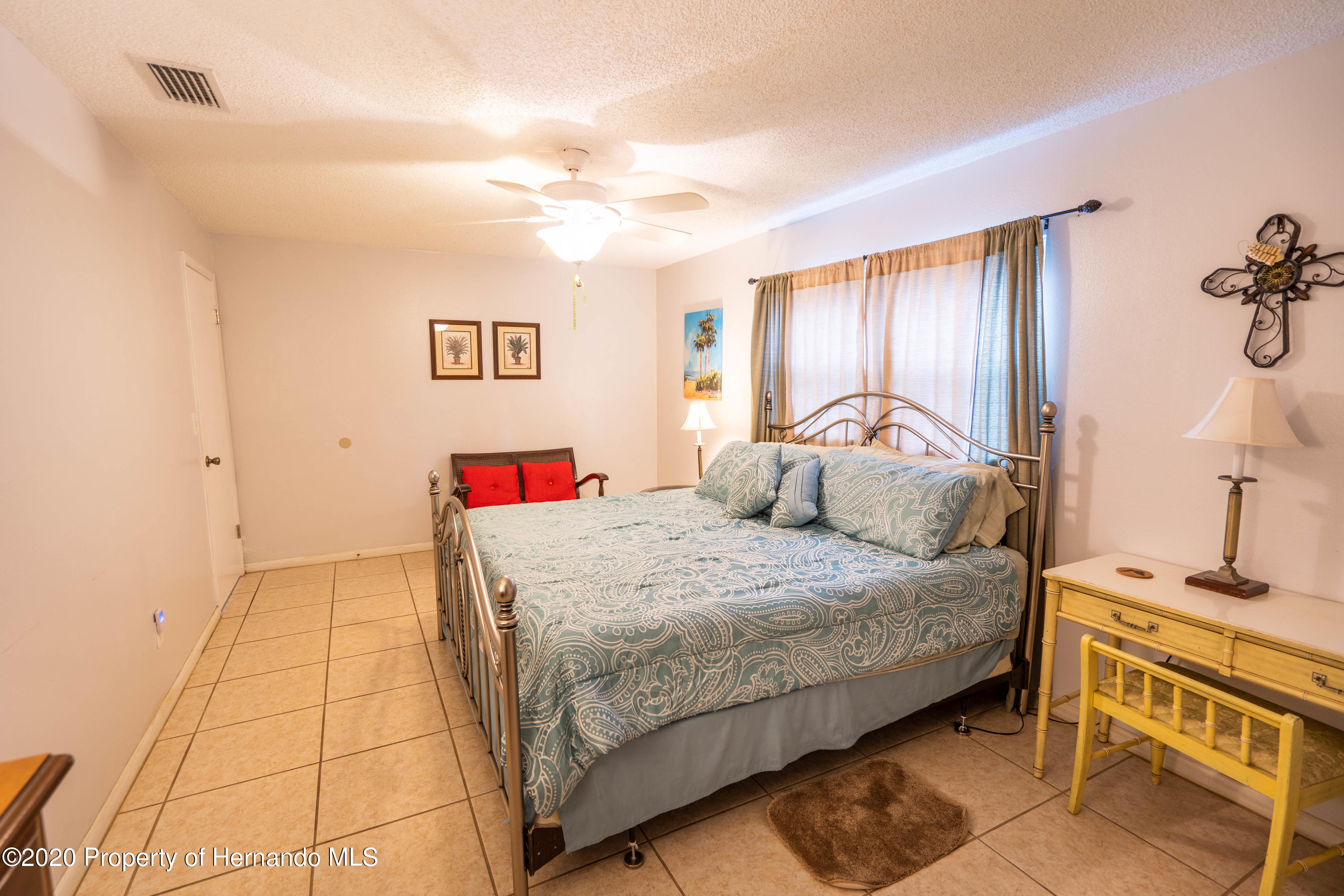 Listing photo id 32 for 6107 Avenue Of The Palms