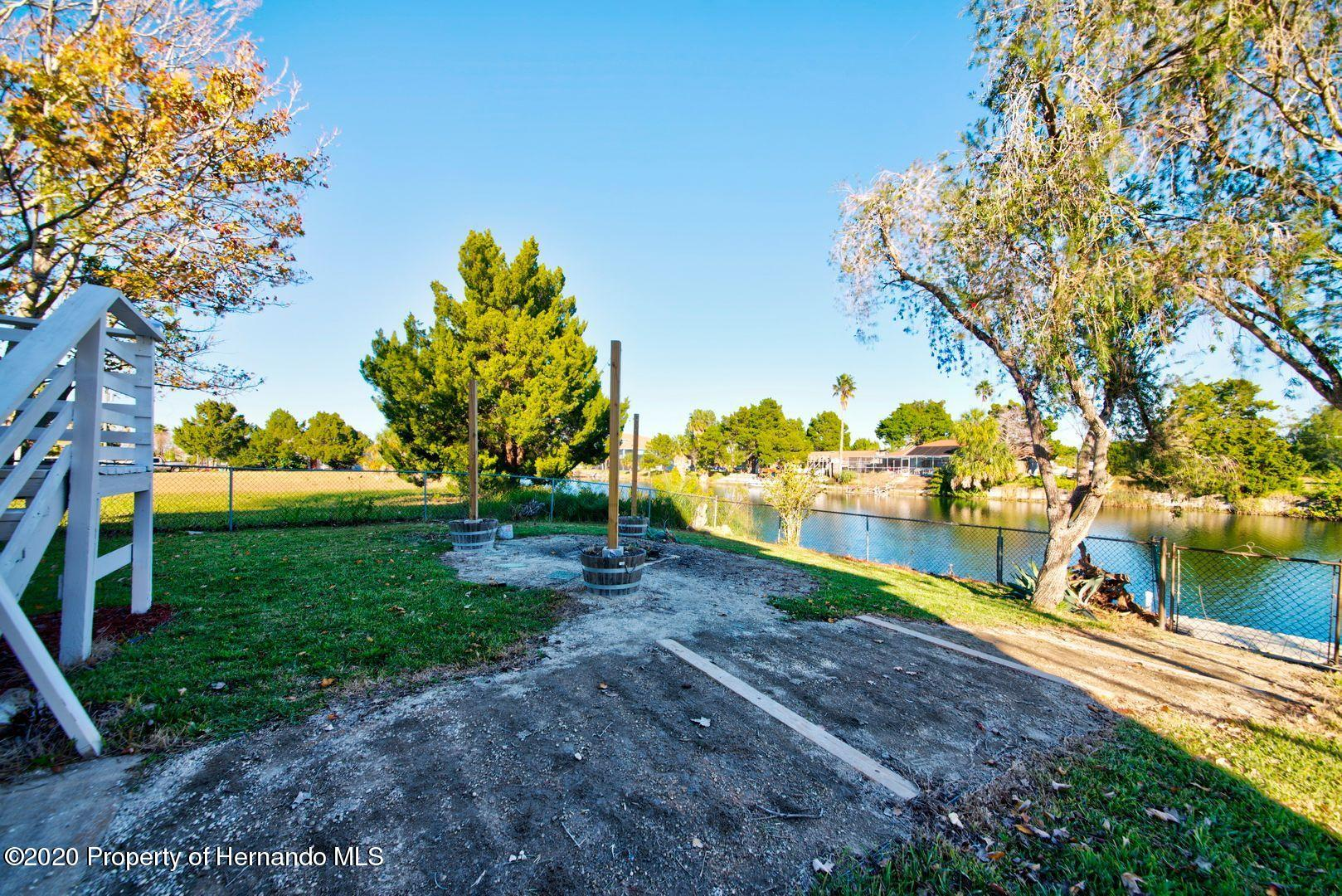 Listing photo id 38 for 3294 Gardenia Drive