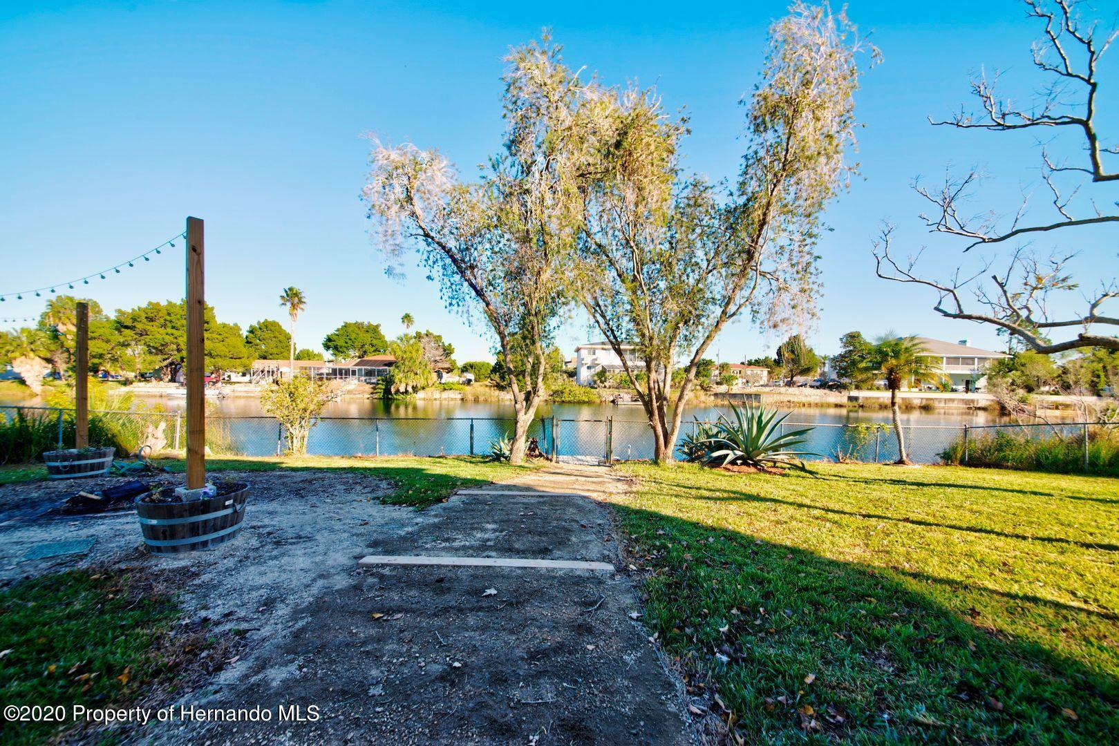 Listing photo id 39 for 3294 Gardenia Drive