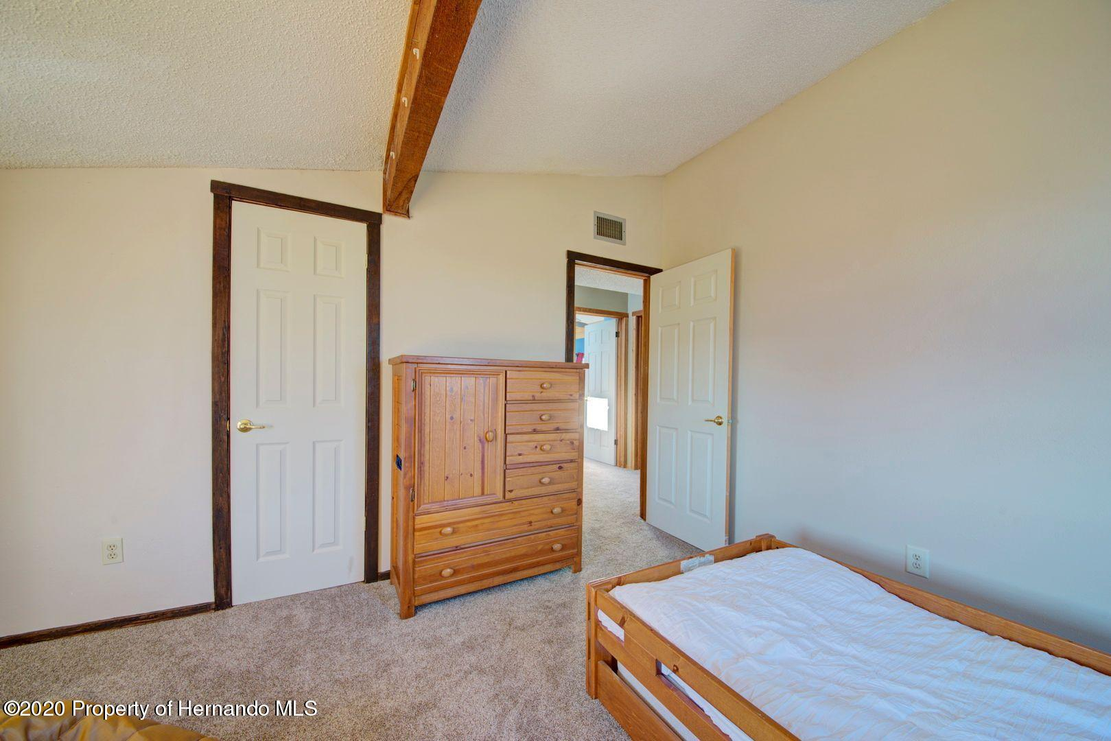 Listing photo id 32 for 3294 Gardenia Drive