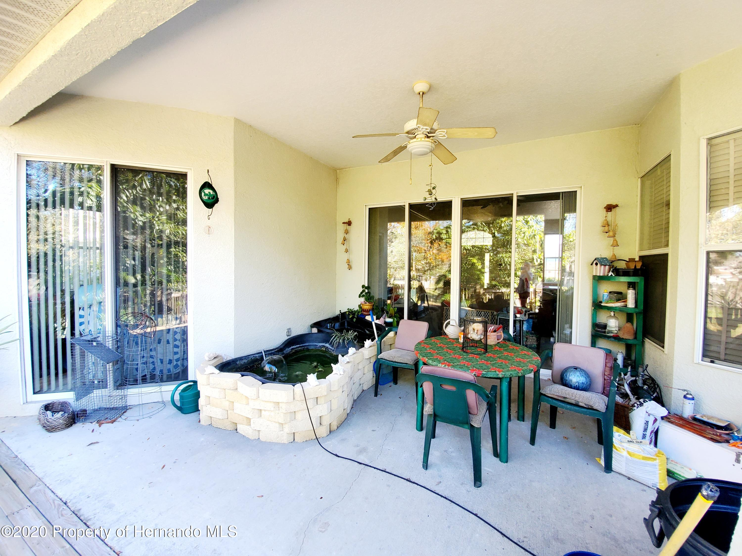 Listing photo id 27 for 5263 Hanford Avenue