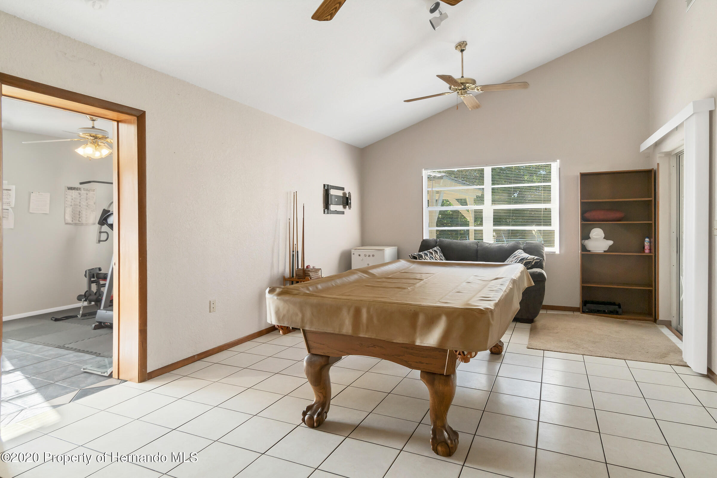 Listing photo id 11 for 2499 Keeport Drive