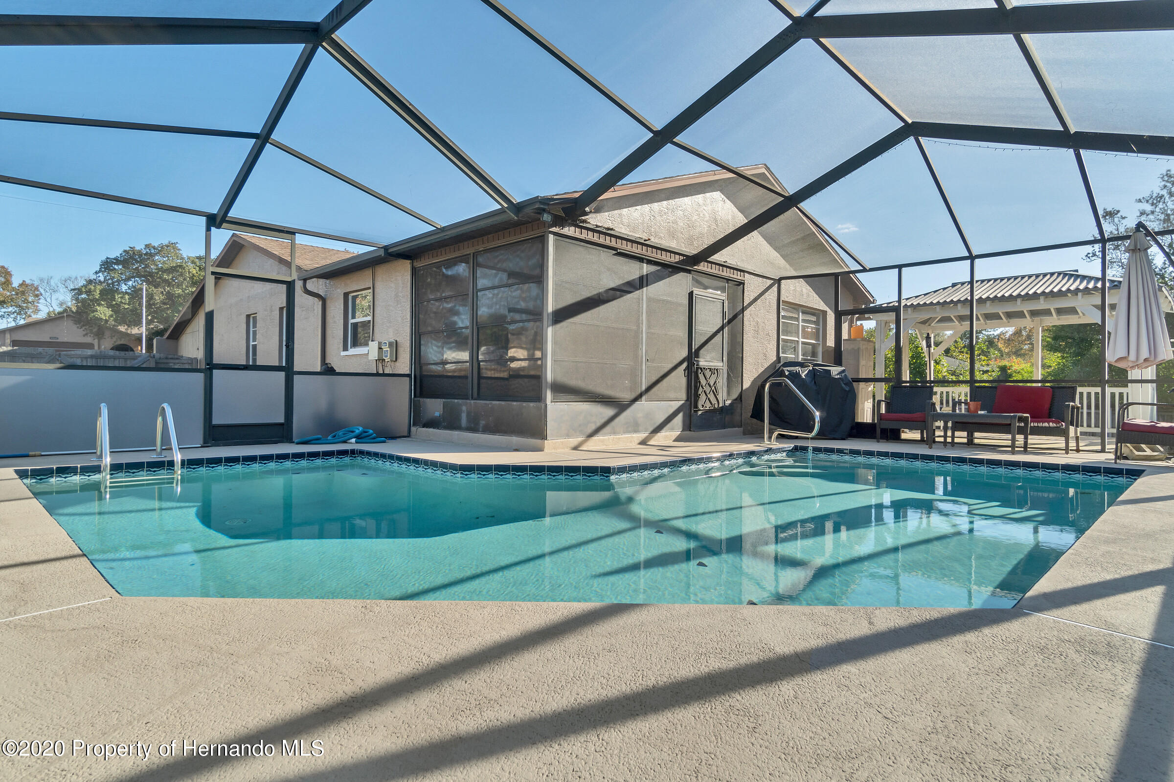 Listing photo id 26 for 2499 Keeport Drive