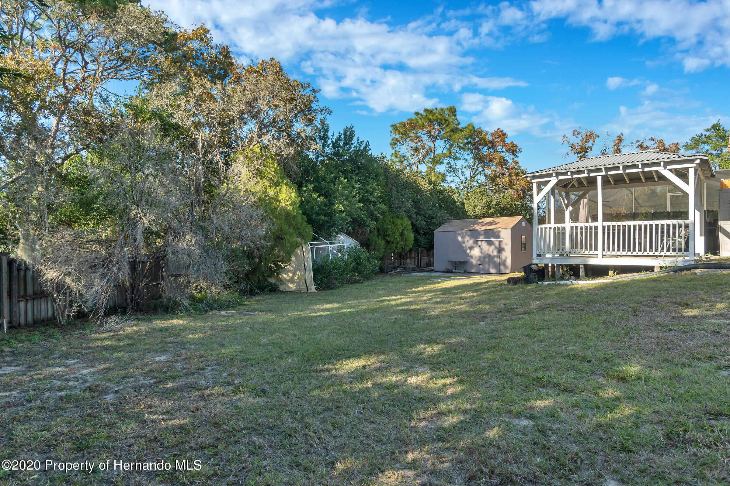 Listing photo id 32 for 2499 Keeport Drive