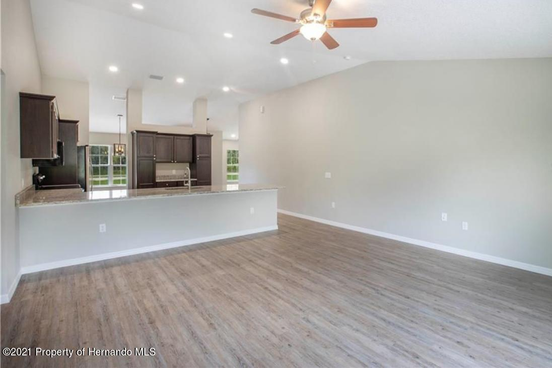 Listing photo id 3 for 13040 Phoebe Court