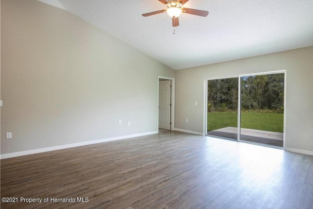 Listing photo id 10 for 13040 Phoebe Court