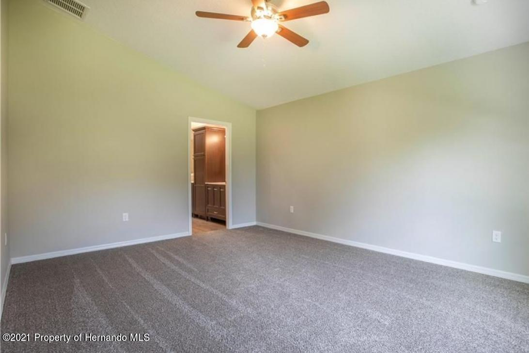 Listing photo id 11 for 13040 Phoebe Court