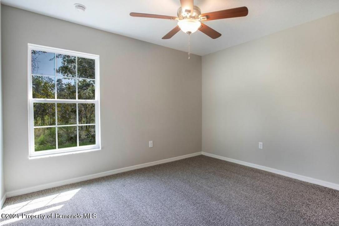 Listing photo id 12 for 13040 Phoebe Court