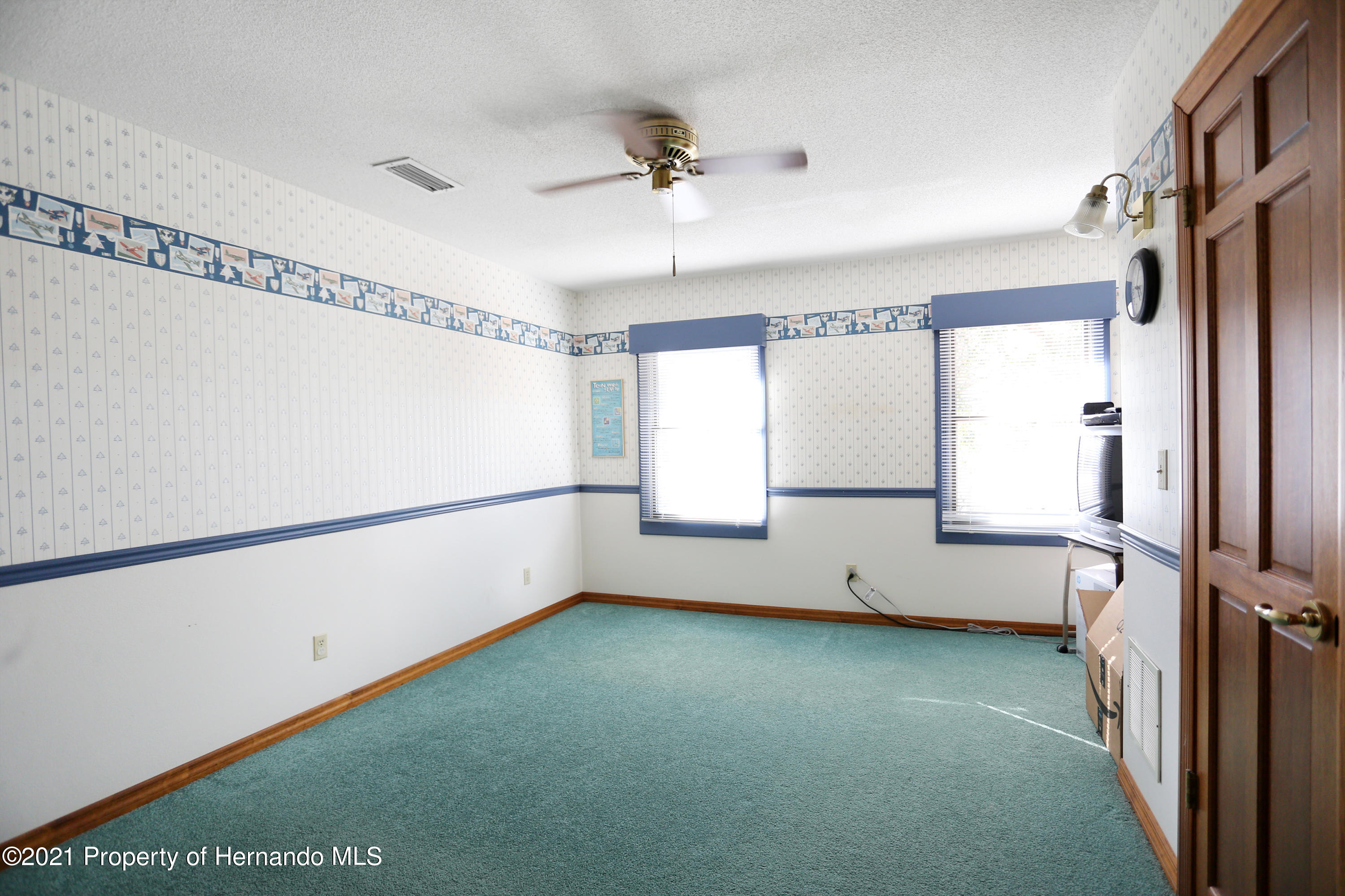 Listing photo id 41 for 5207 Neff Lake Road