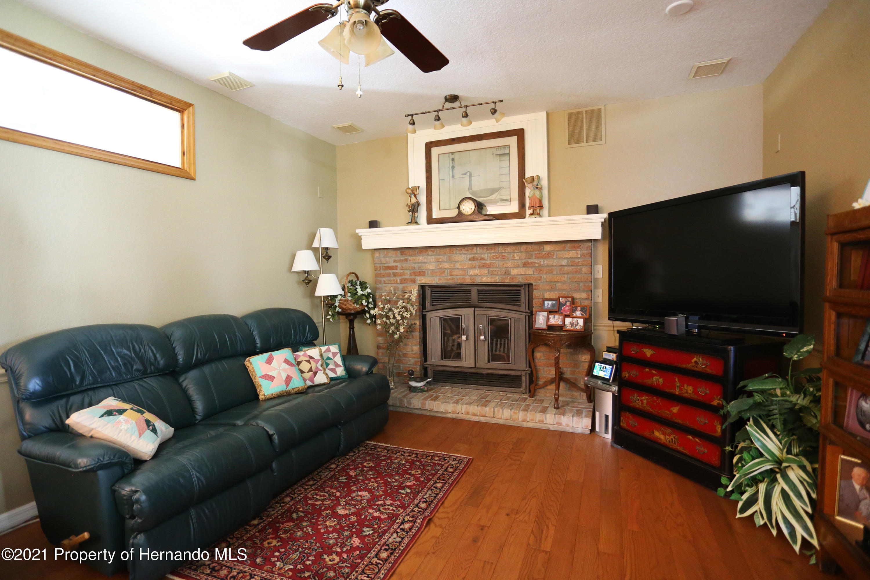 Listing photo id 46 for 5207 Neff Lake Road