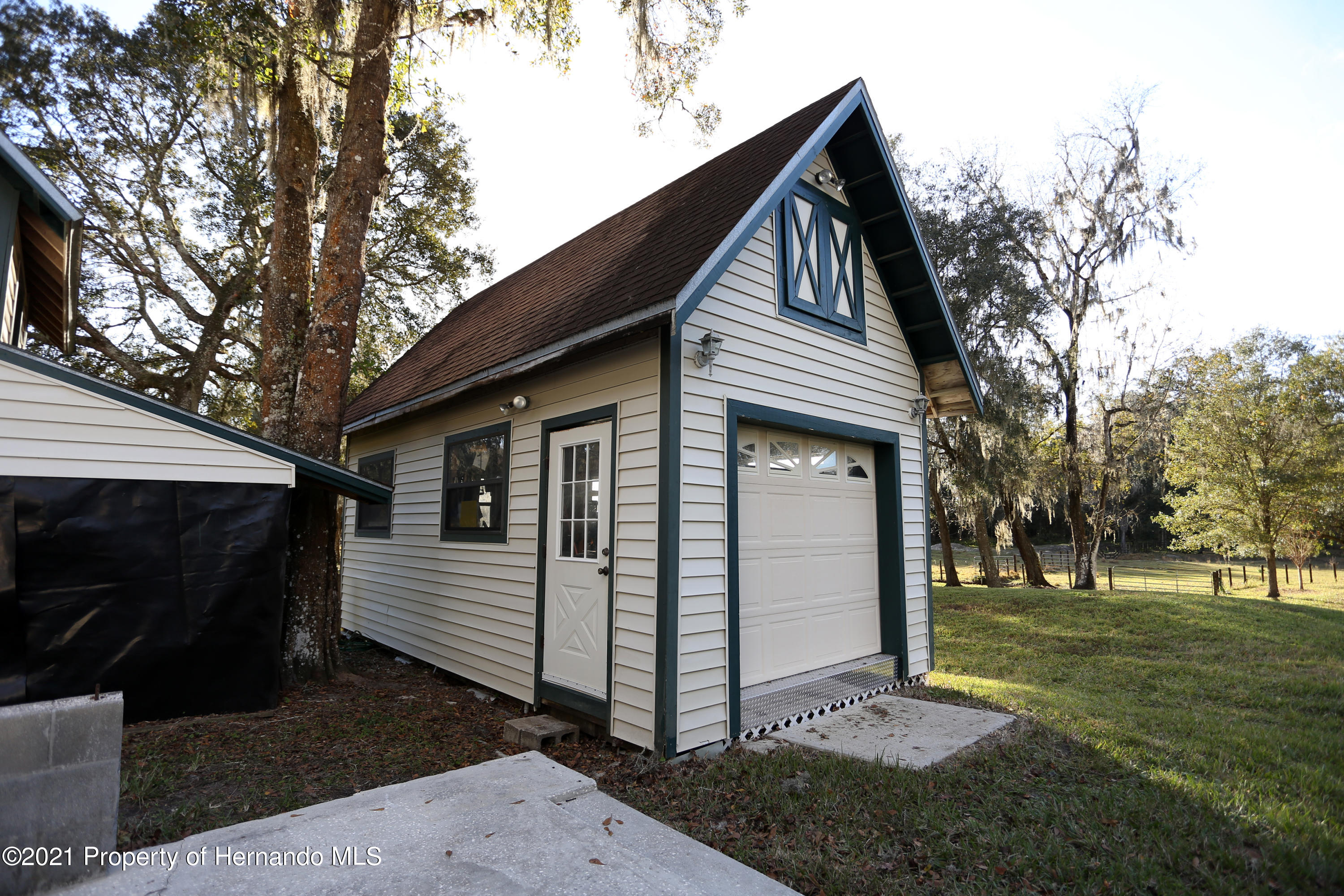 Listing photo id 52 for 5207 Neff Lake Road