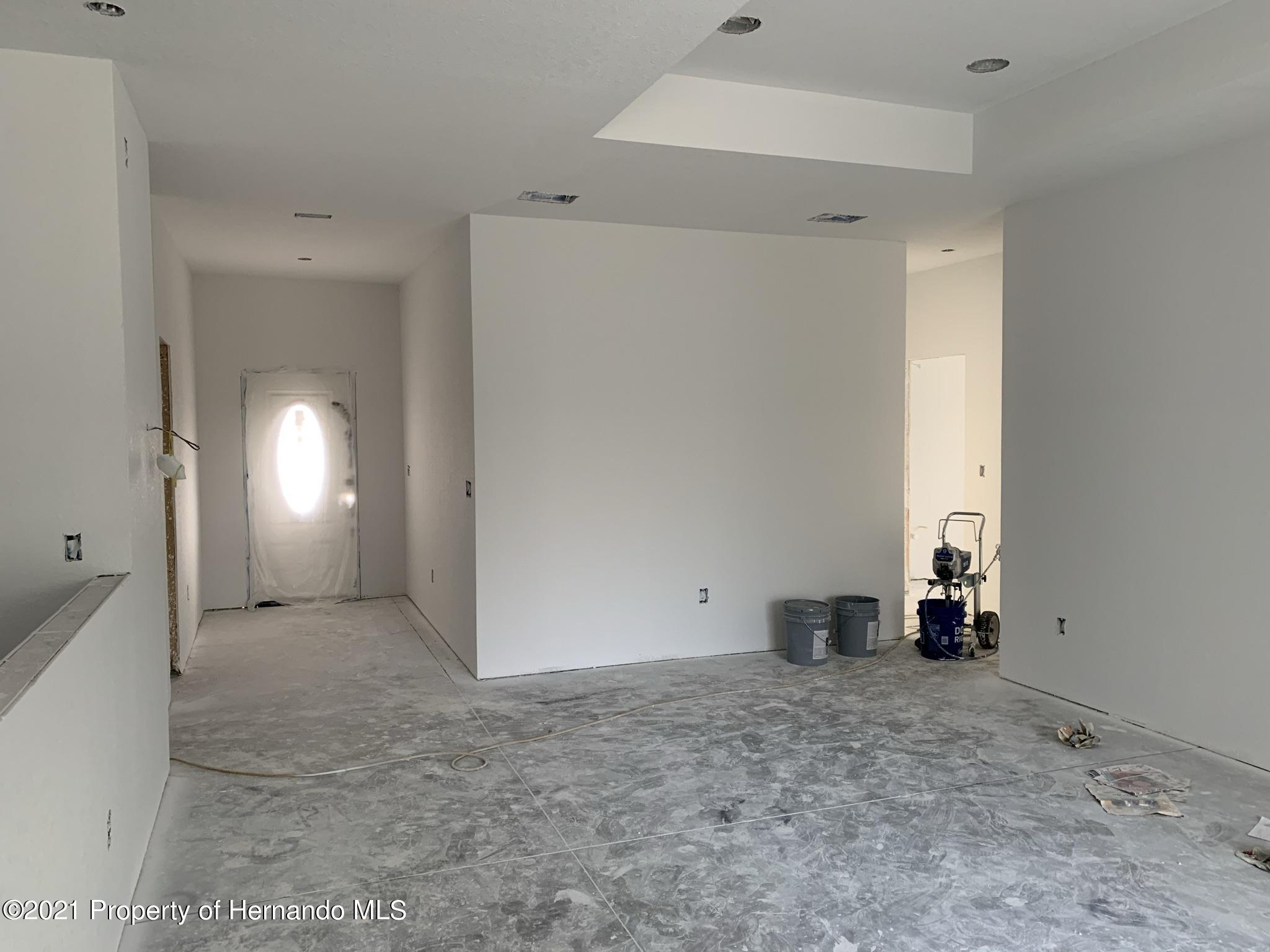 Listing photo id 14 for 12387 Talpa Street