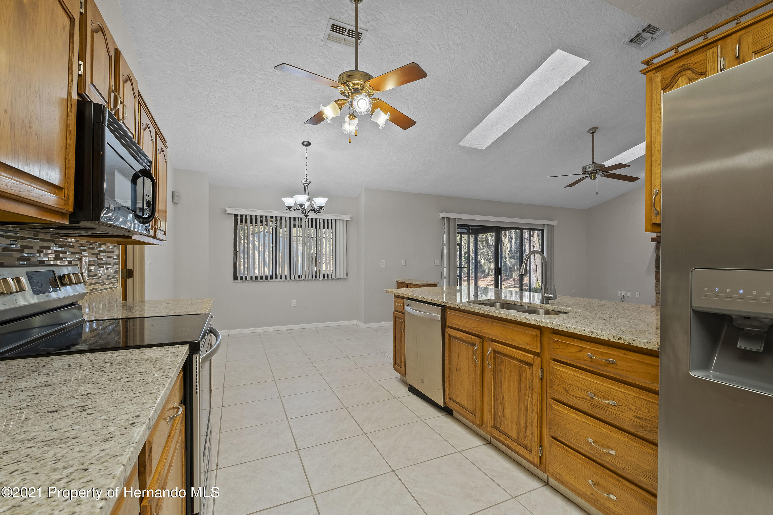 Listing photo id 11 for 12345 Centralia Road
