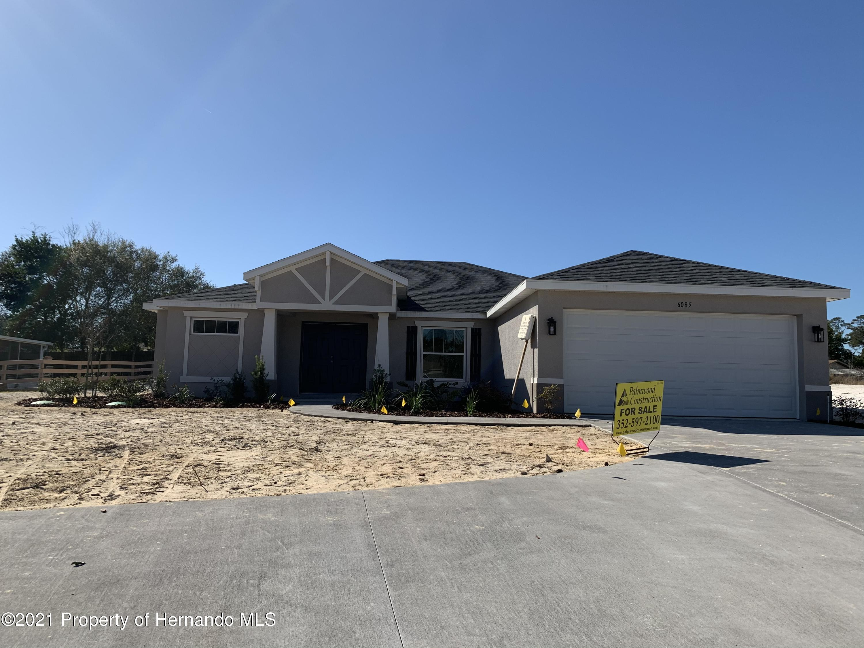 Listing photo id 1 for 6085 Deltona Boulevard