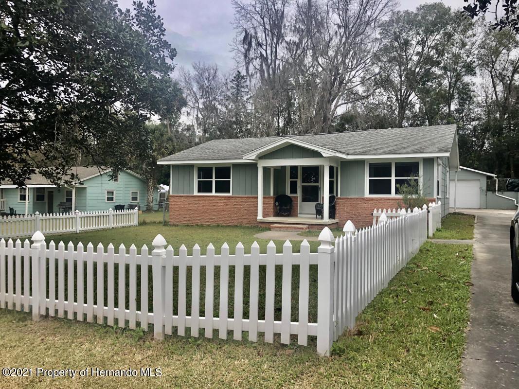 Details for 802 Whiteway Drive, Brooksville, FL 34601