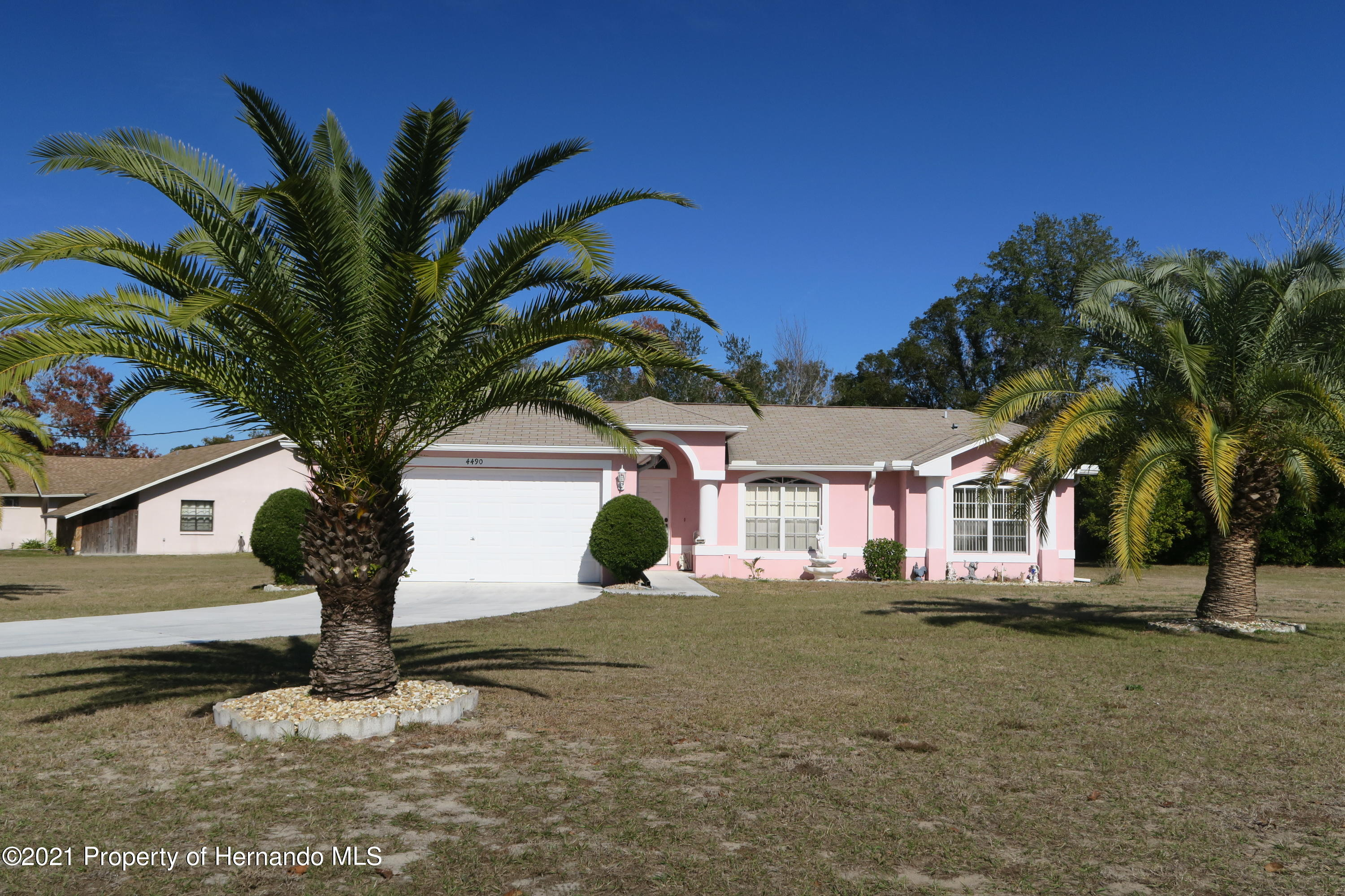 Listing photo id 1 for 4490 Gondolier Road