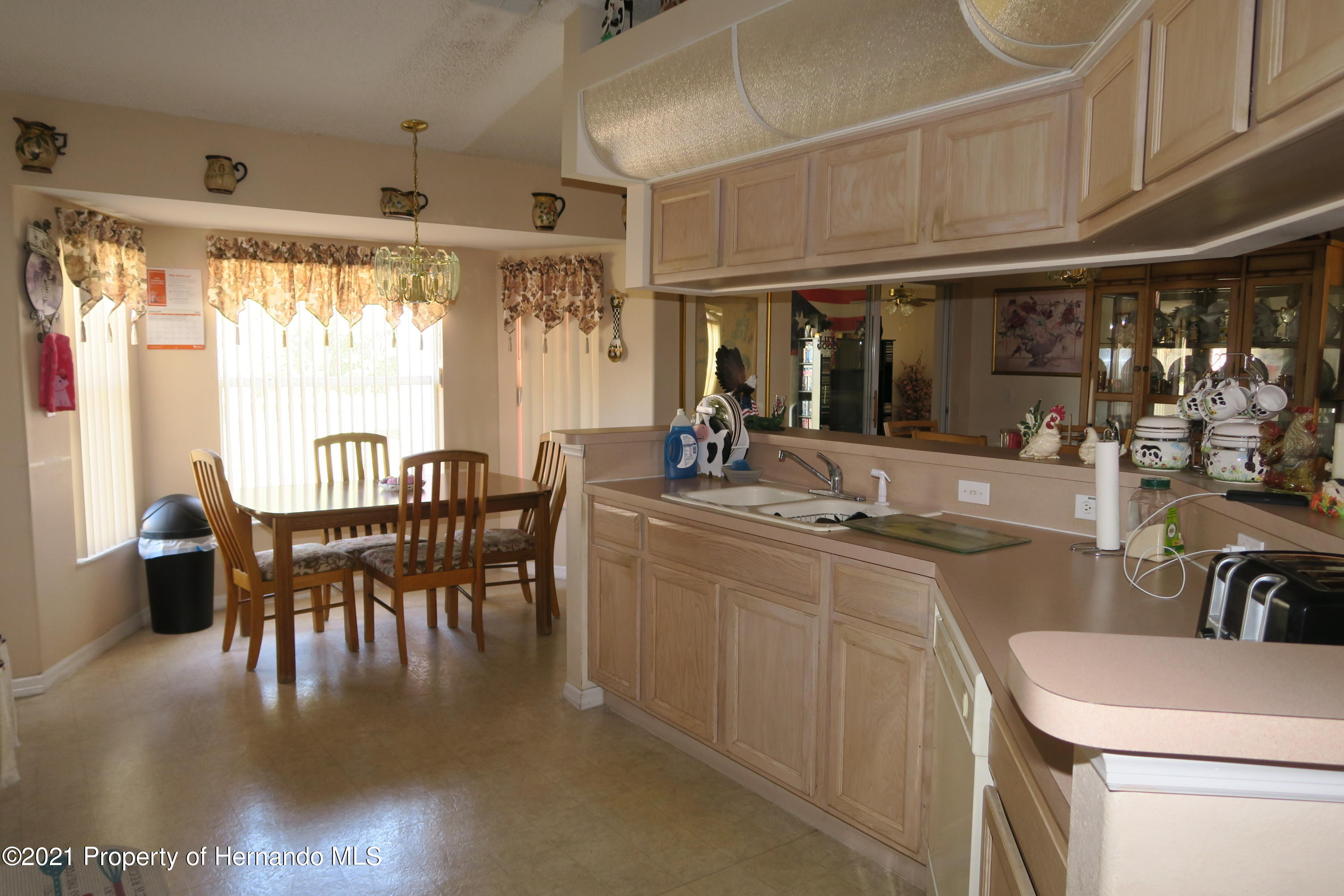 Listing photo id 12 for 4490 Gondolier Road