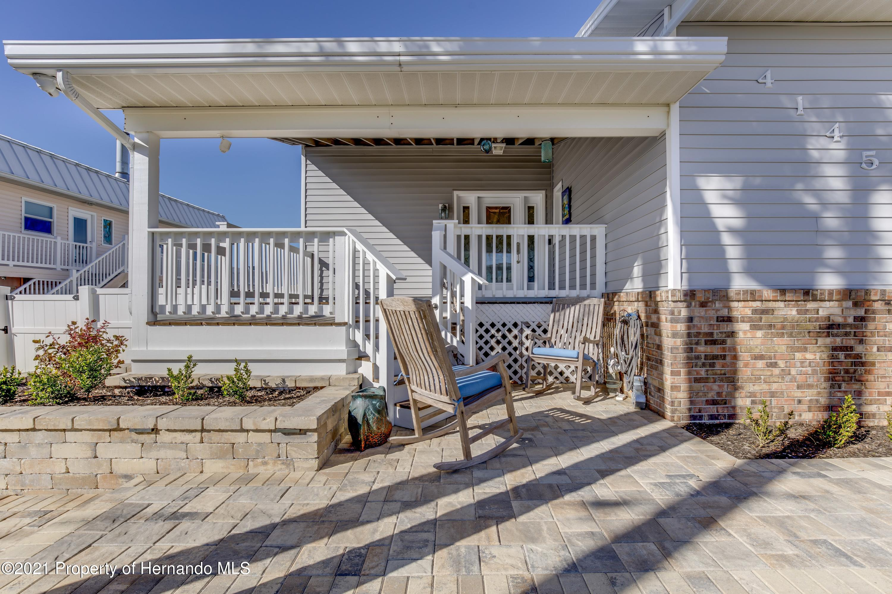 Listing photo id 11 for 4145 Orchid Drive