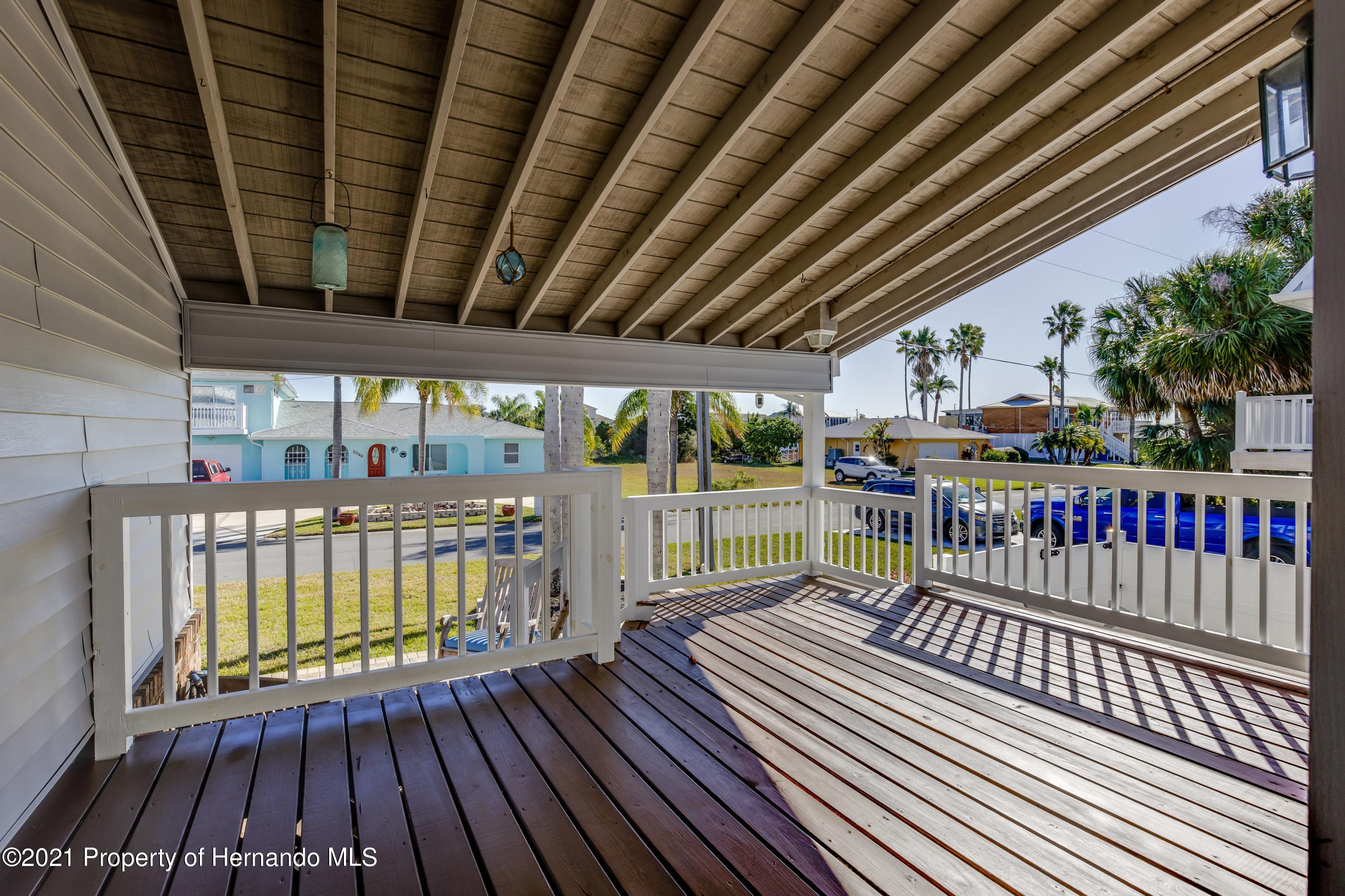 Listing photo id 12 for 4145 Orchid Drive