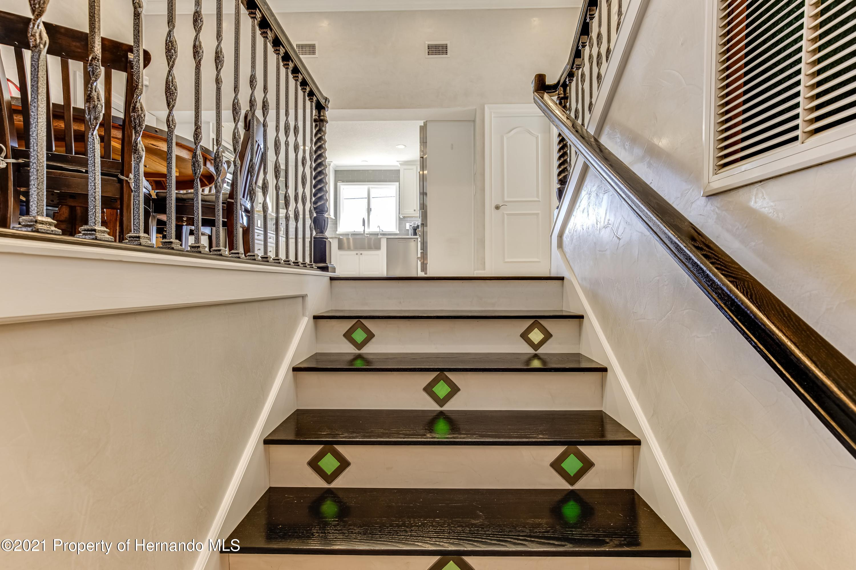 Listing photo id 29 for 4145 Orchid Drive