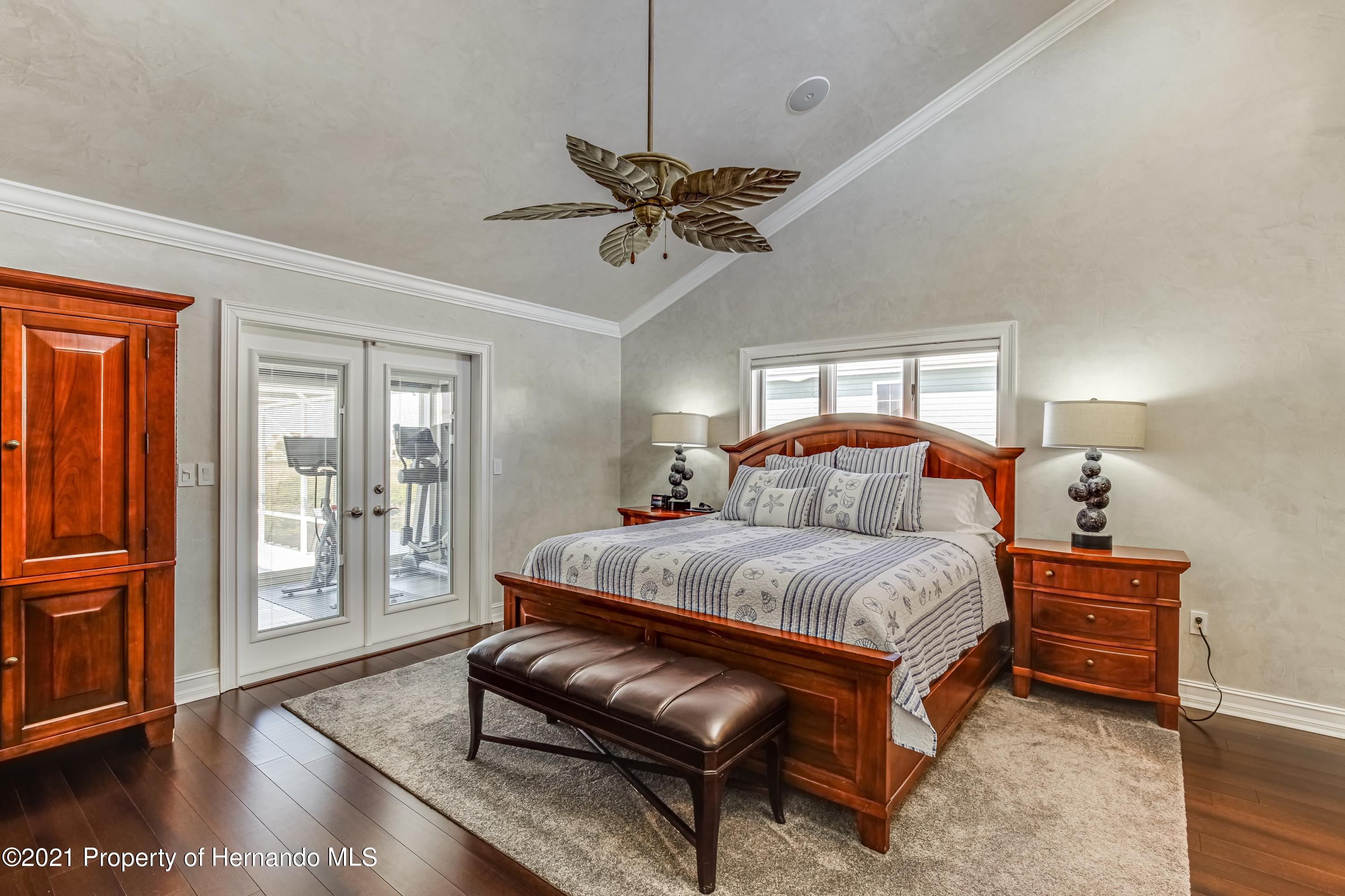 Listing photo id 30 for 4145 Orchid Drive