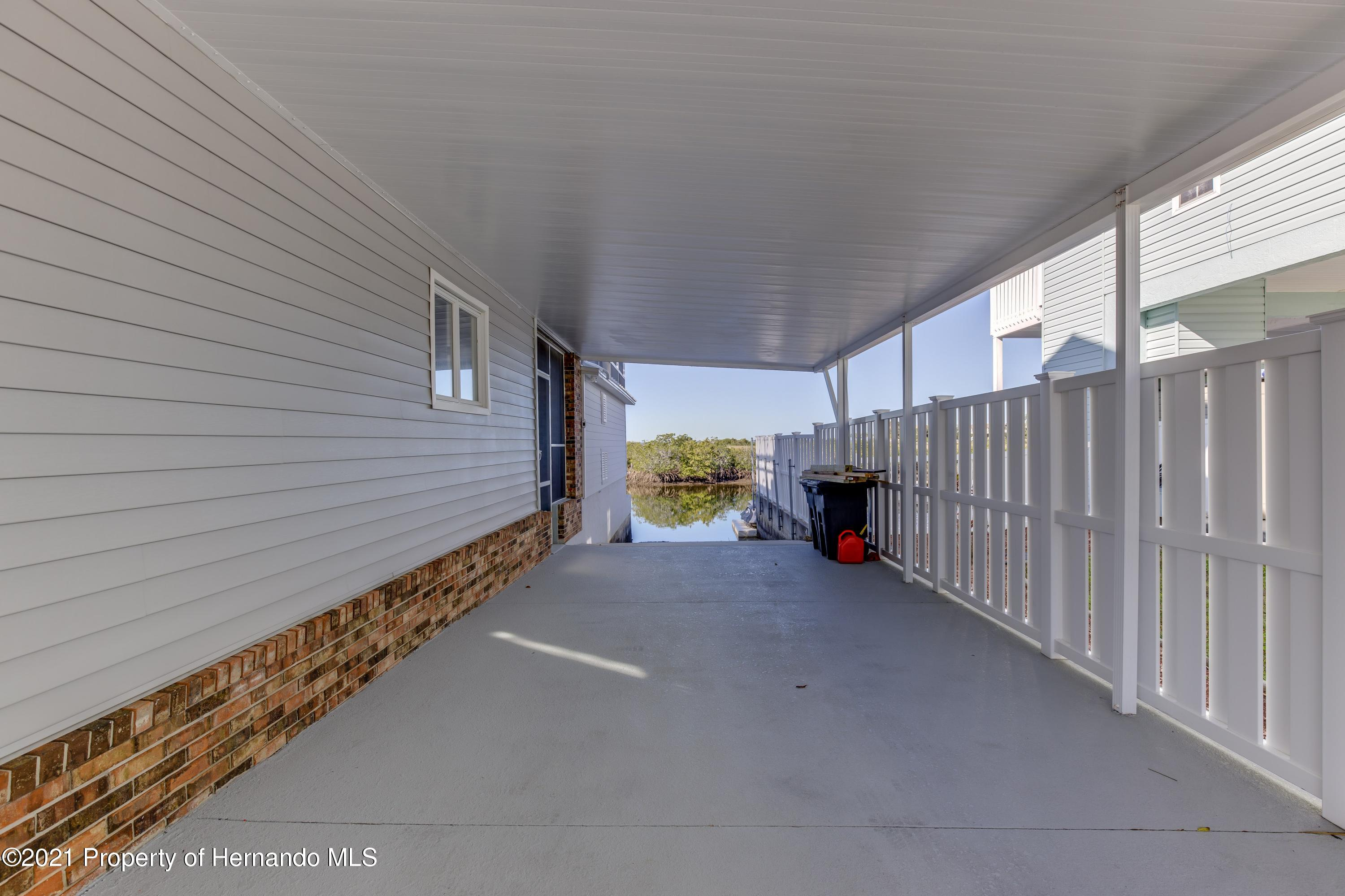 Listing photo id 79 for 4145 Orchid Drive
