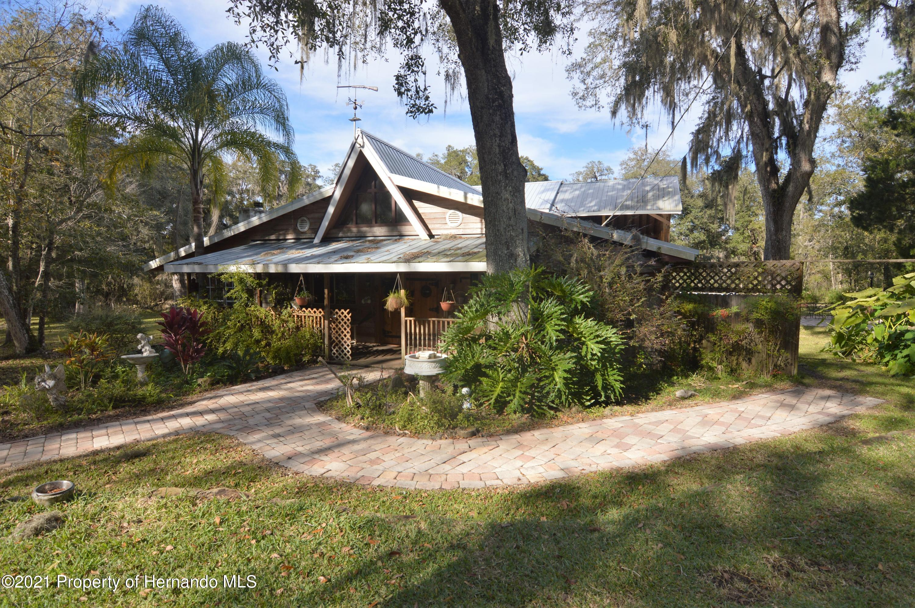 Listing photo id 3 for 22425 Cheraton Road