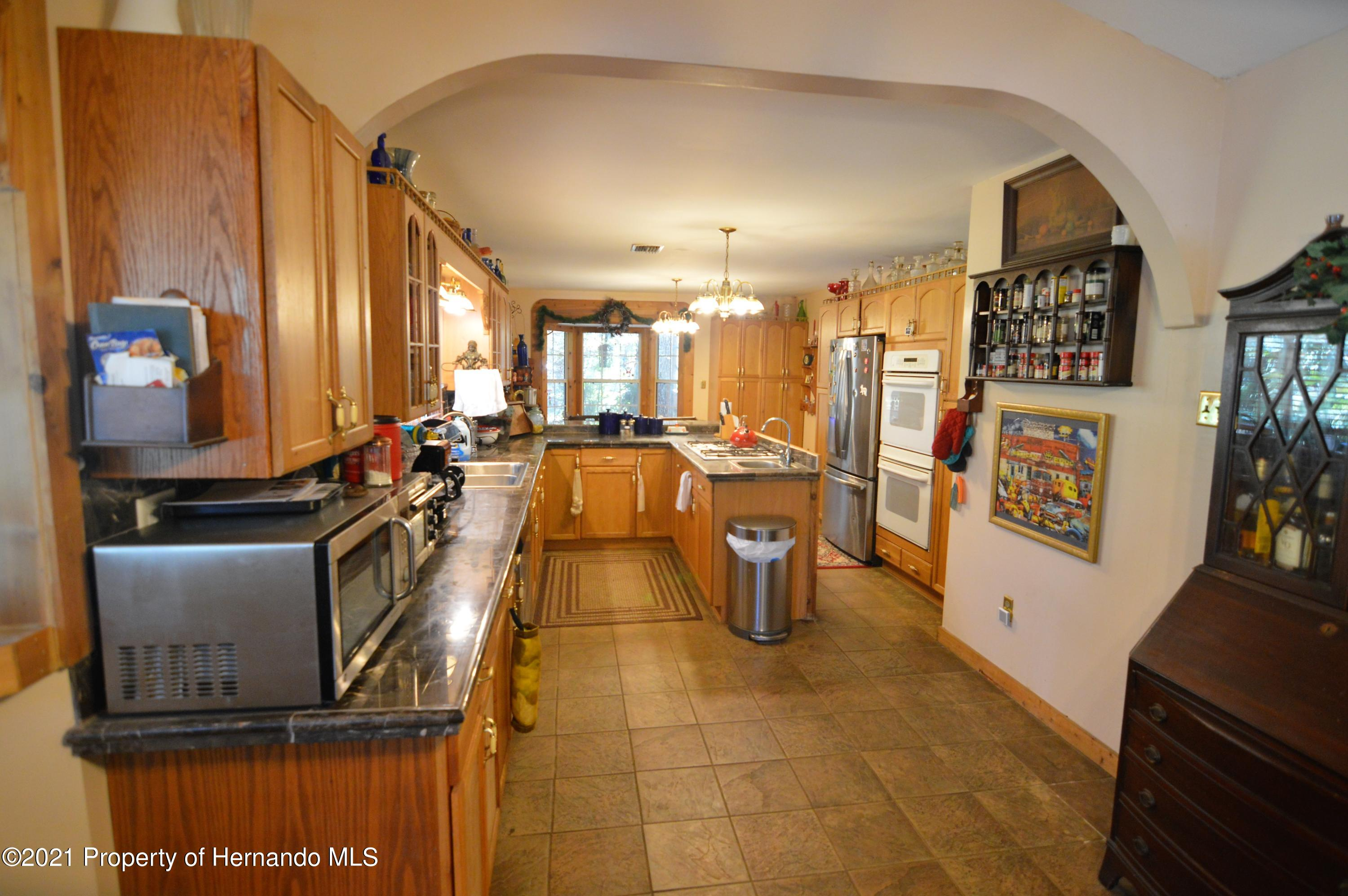 Listing photo id 4 for 22425 Cheraton Road