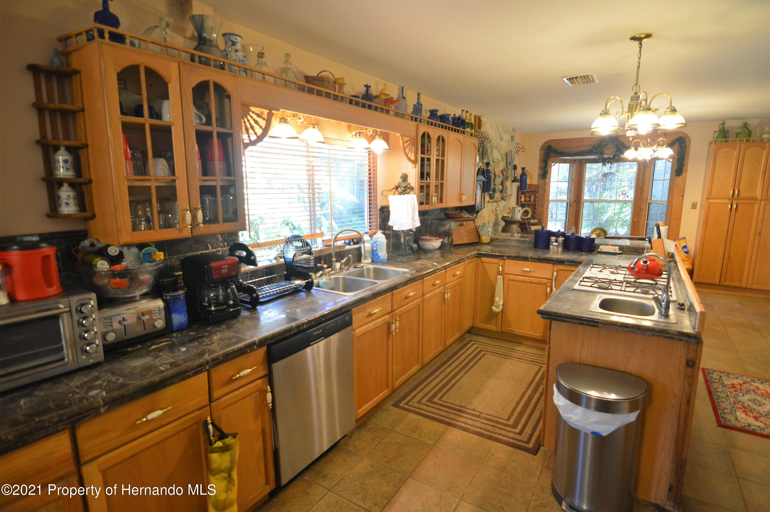 Listing photo id 5 for 22425 Cheraton Road