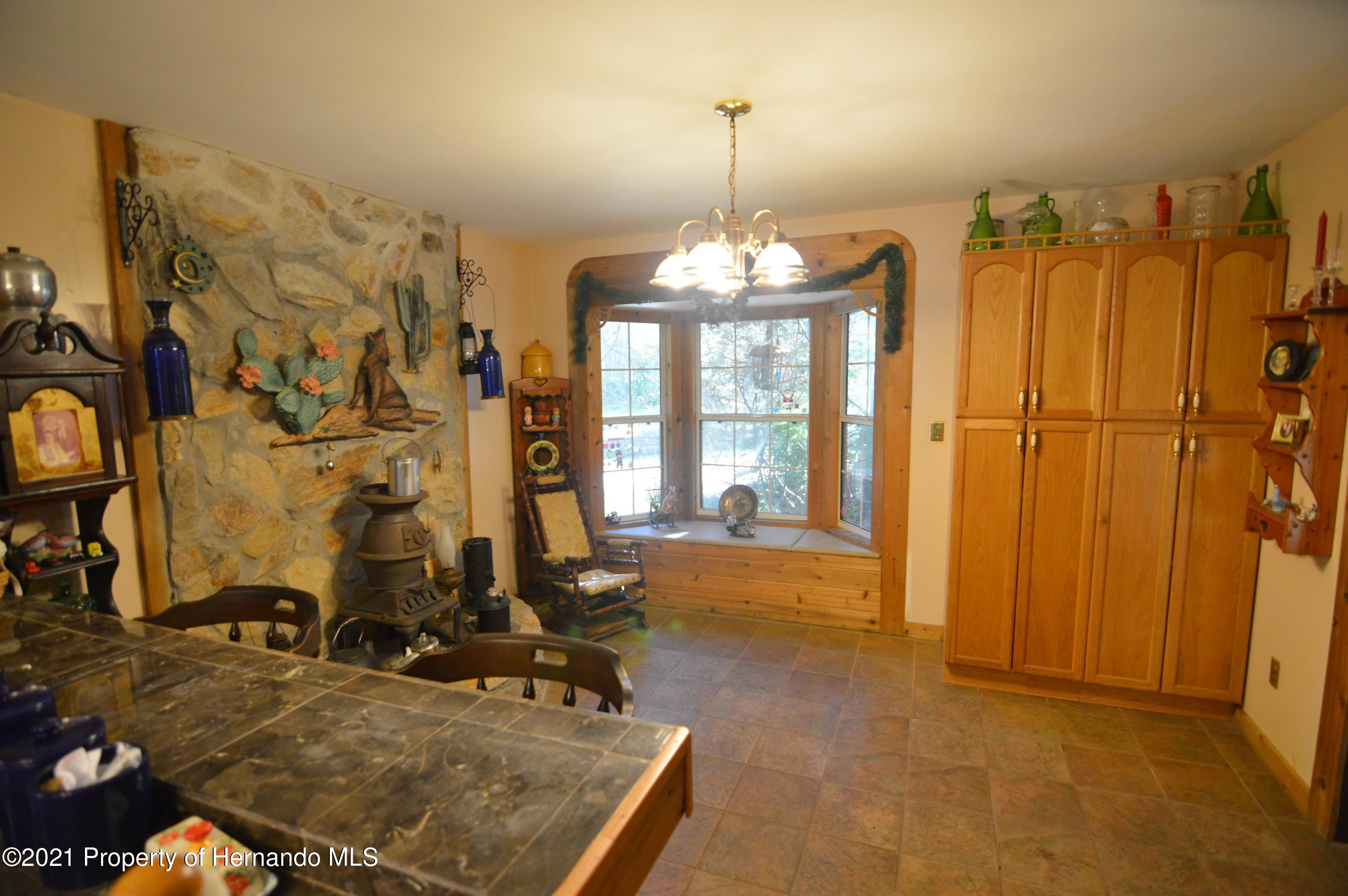 Listing photo id 8 for 22425 Cheraton Road