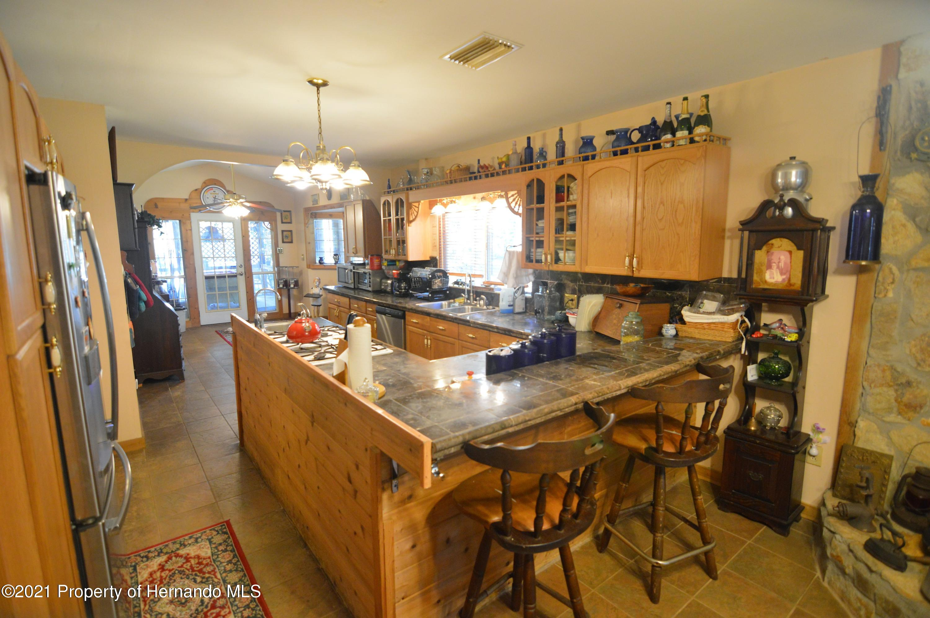 Listing photo id 9 for 22425 Cheraton Road