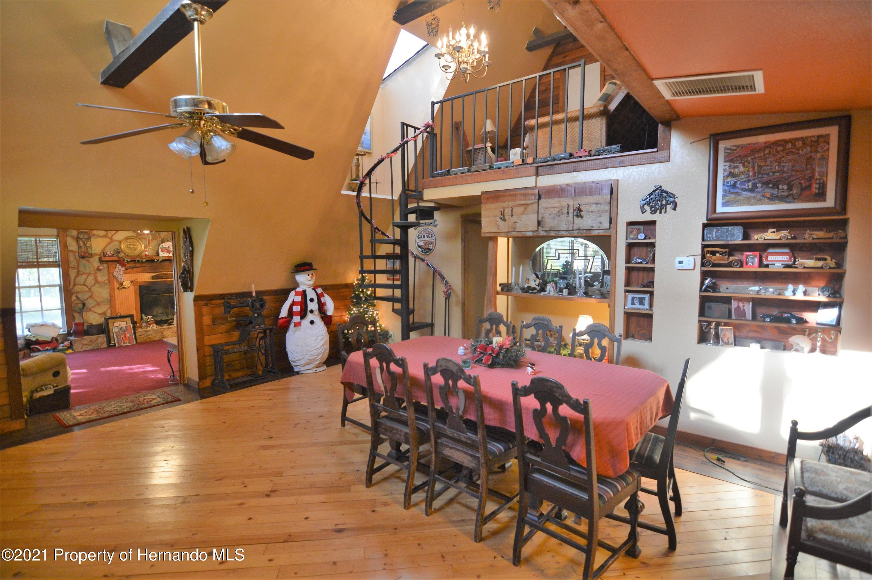 Listing photo id 10 for 22425 Cheraton Road