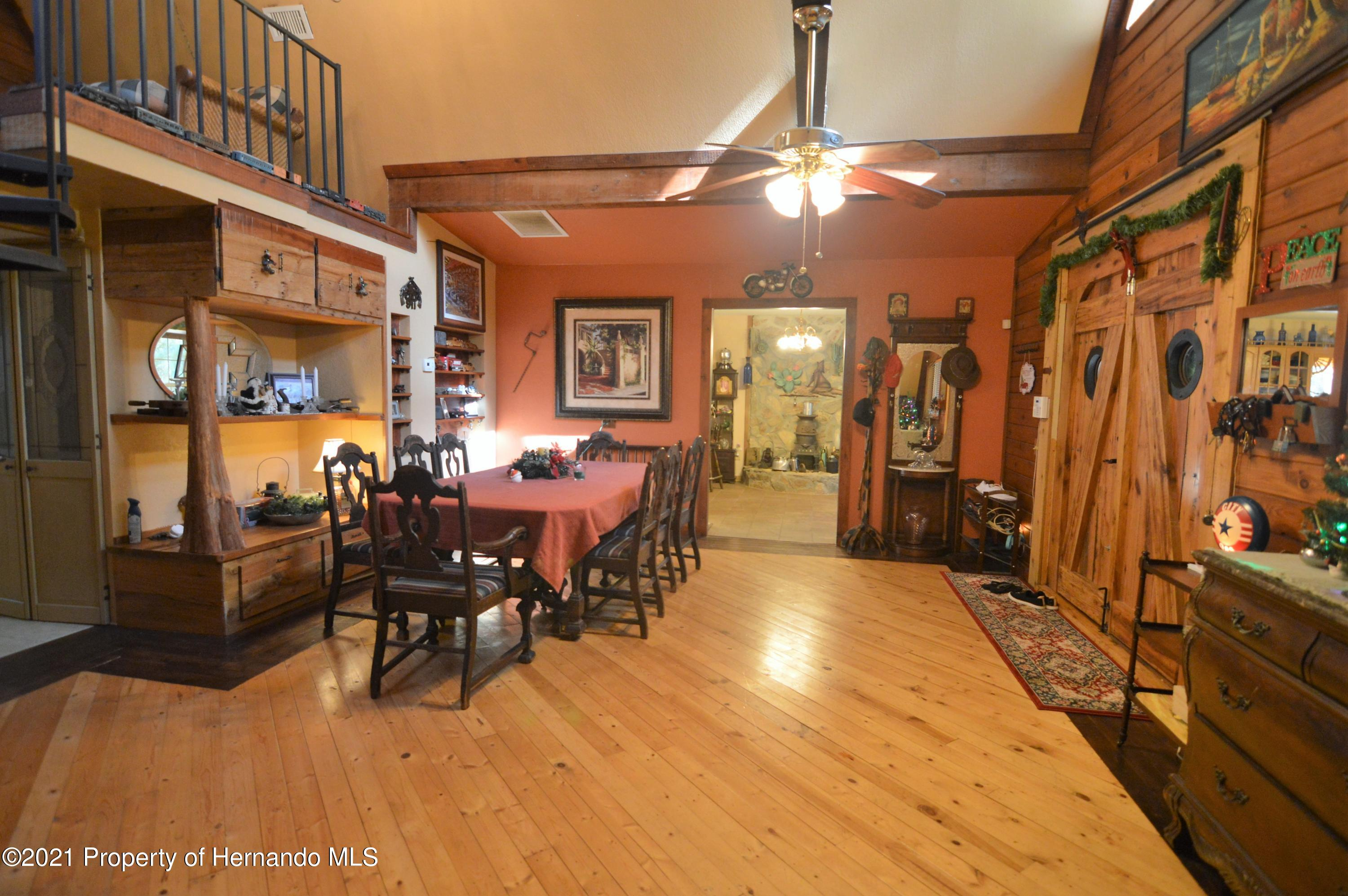 Listing photo id 14 for 22425 Cheraton Road