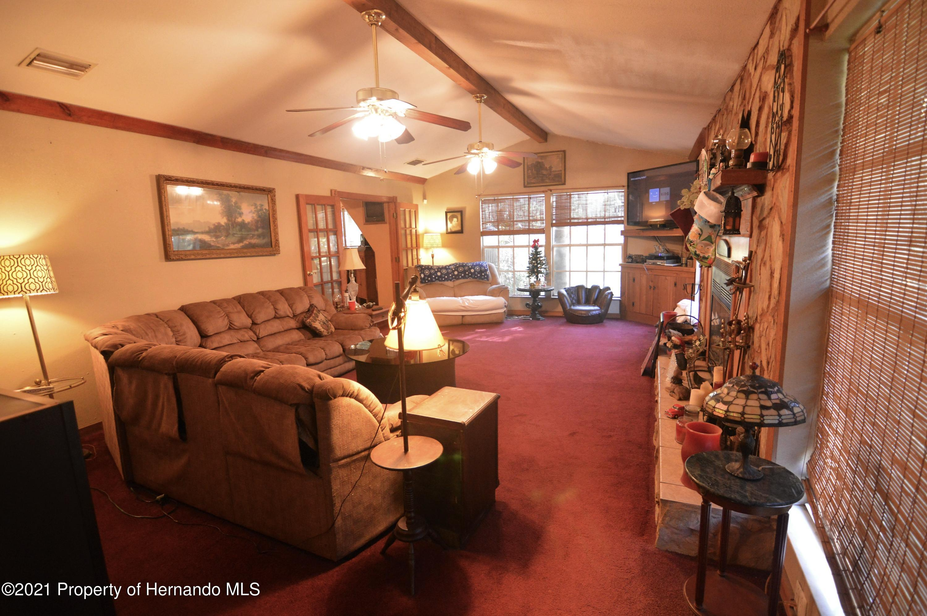 Listing photo id 15 for 22425 Cheraton Road