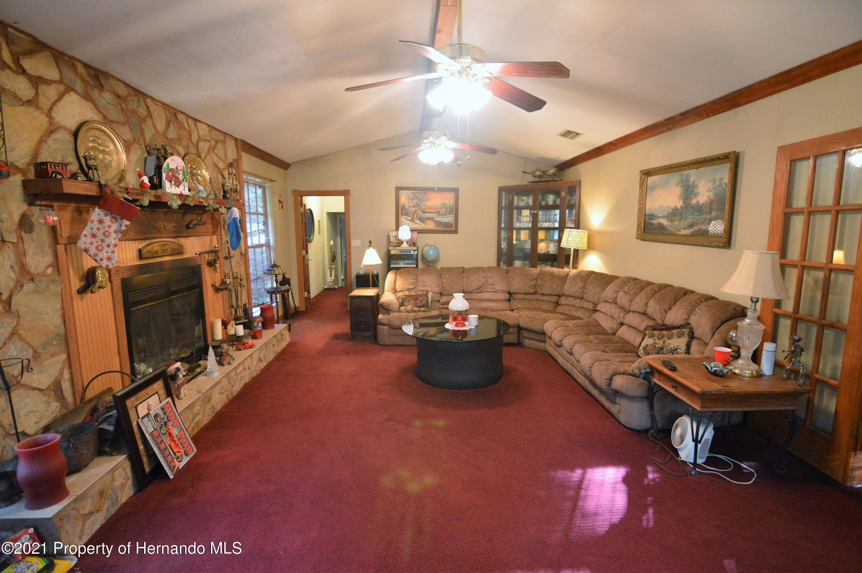 Listing photo id 17 for 22425 Cheraton Road