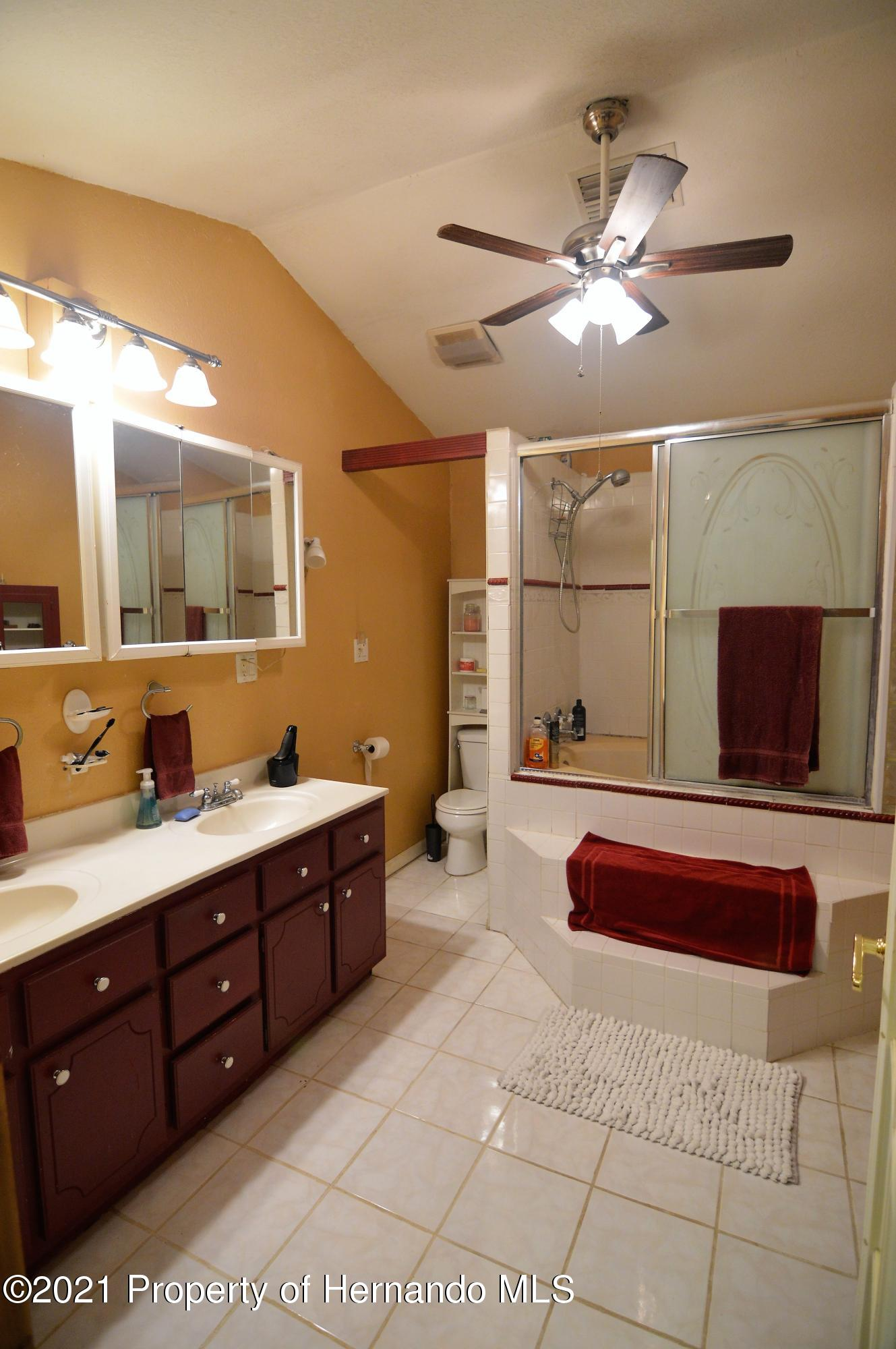 Listing photo id 21 for 22425 Cheraton Road