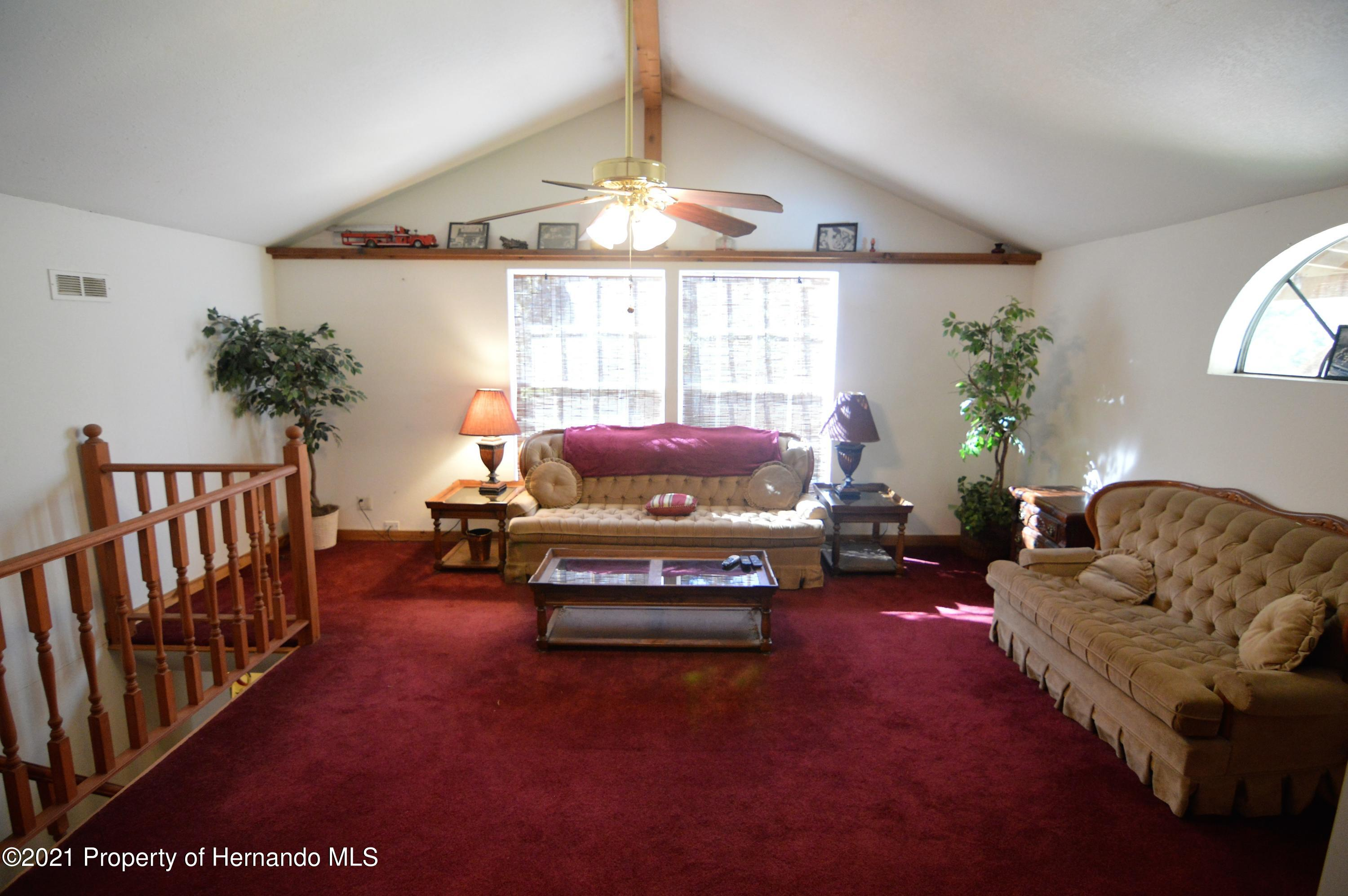 Listing photo id 28 for 22425 Cheraton Road