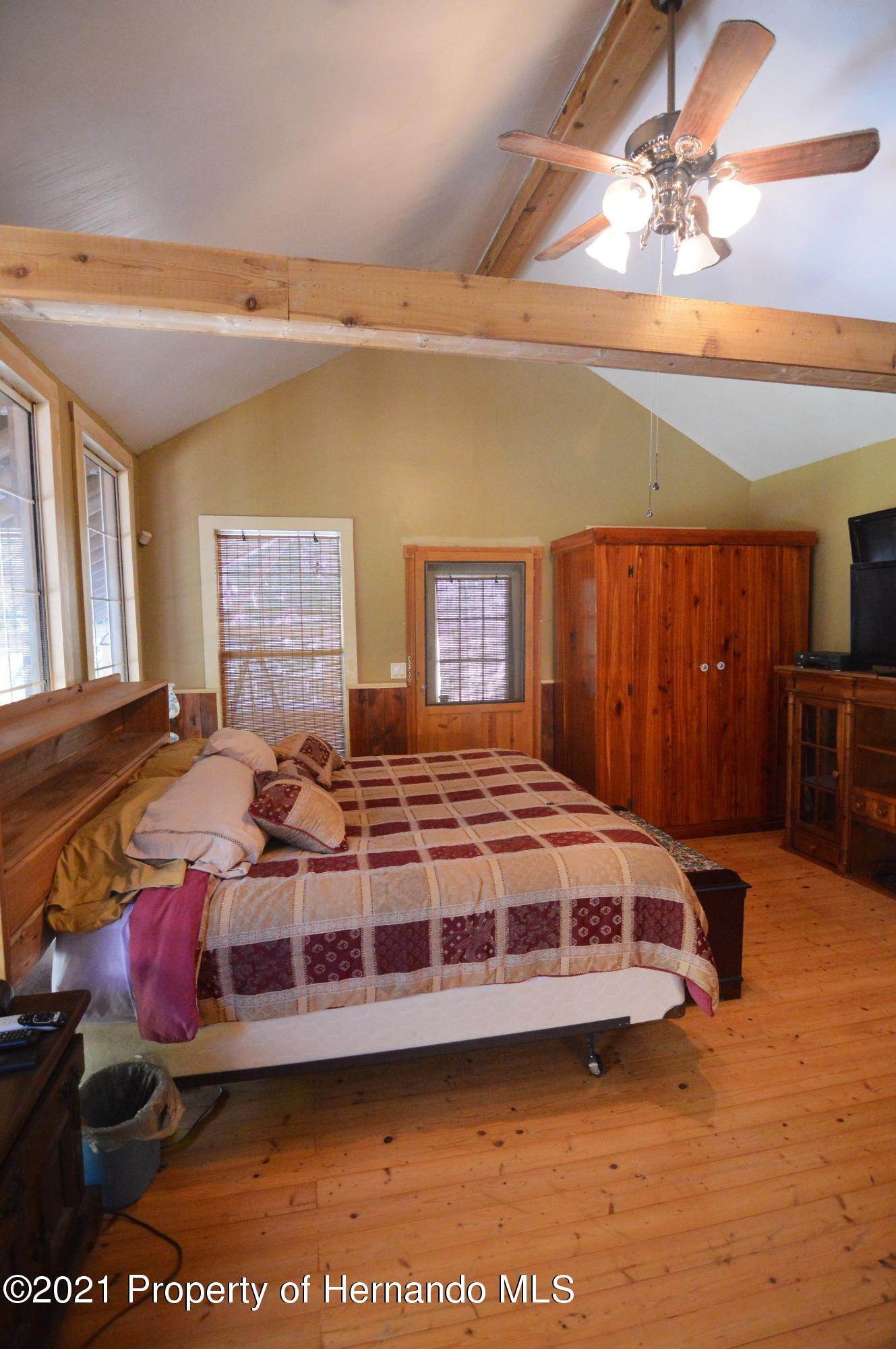 Listing photo id 30 for 22425 Cheraton Road