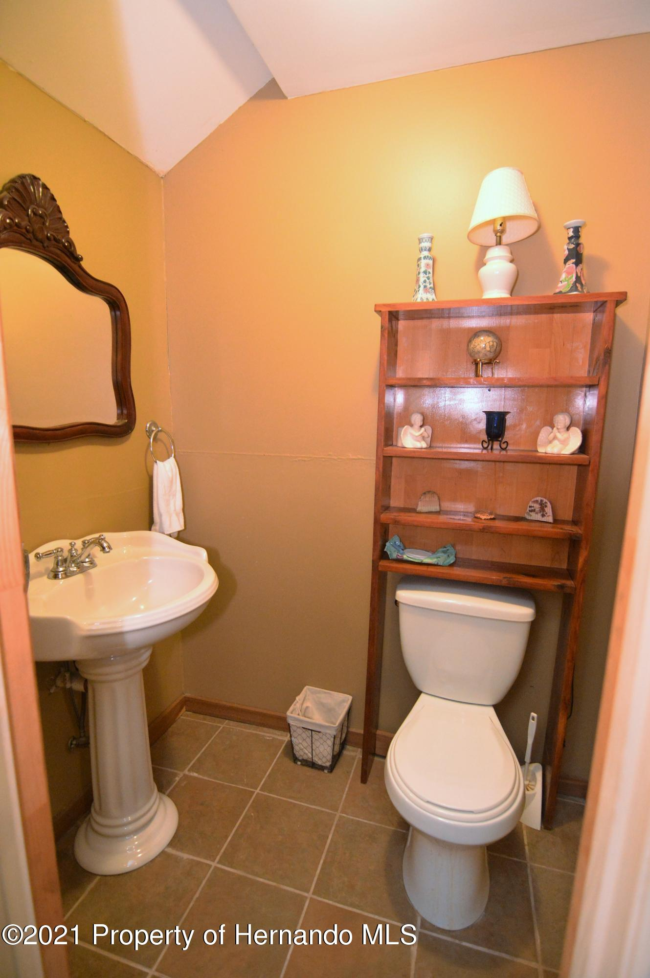Listing photo id 32 for 22425 Cheraton Road