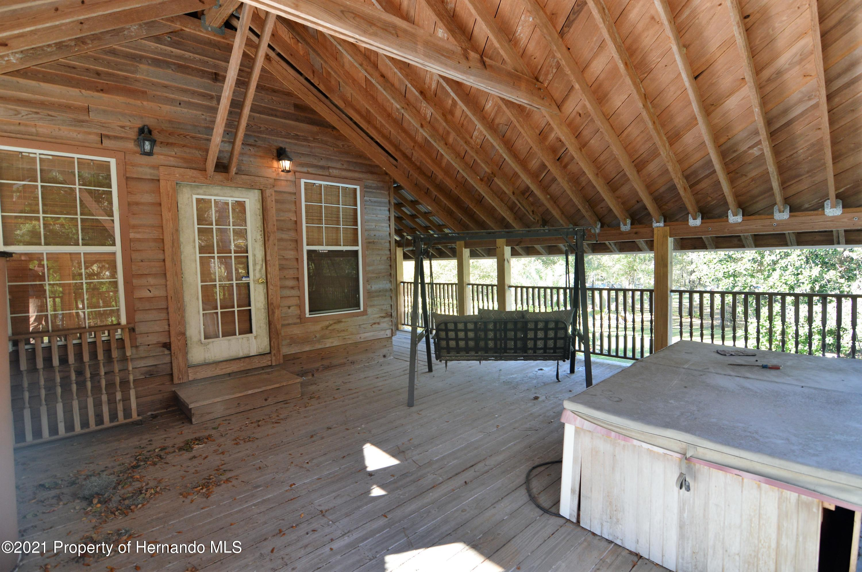 Listing photo id 34 for 22425 Cheraton Road