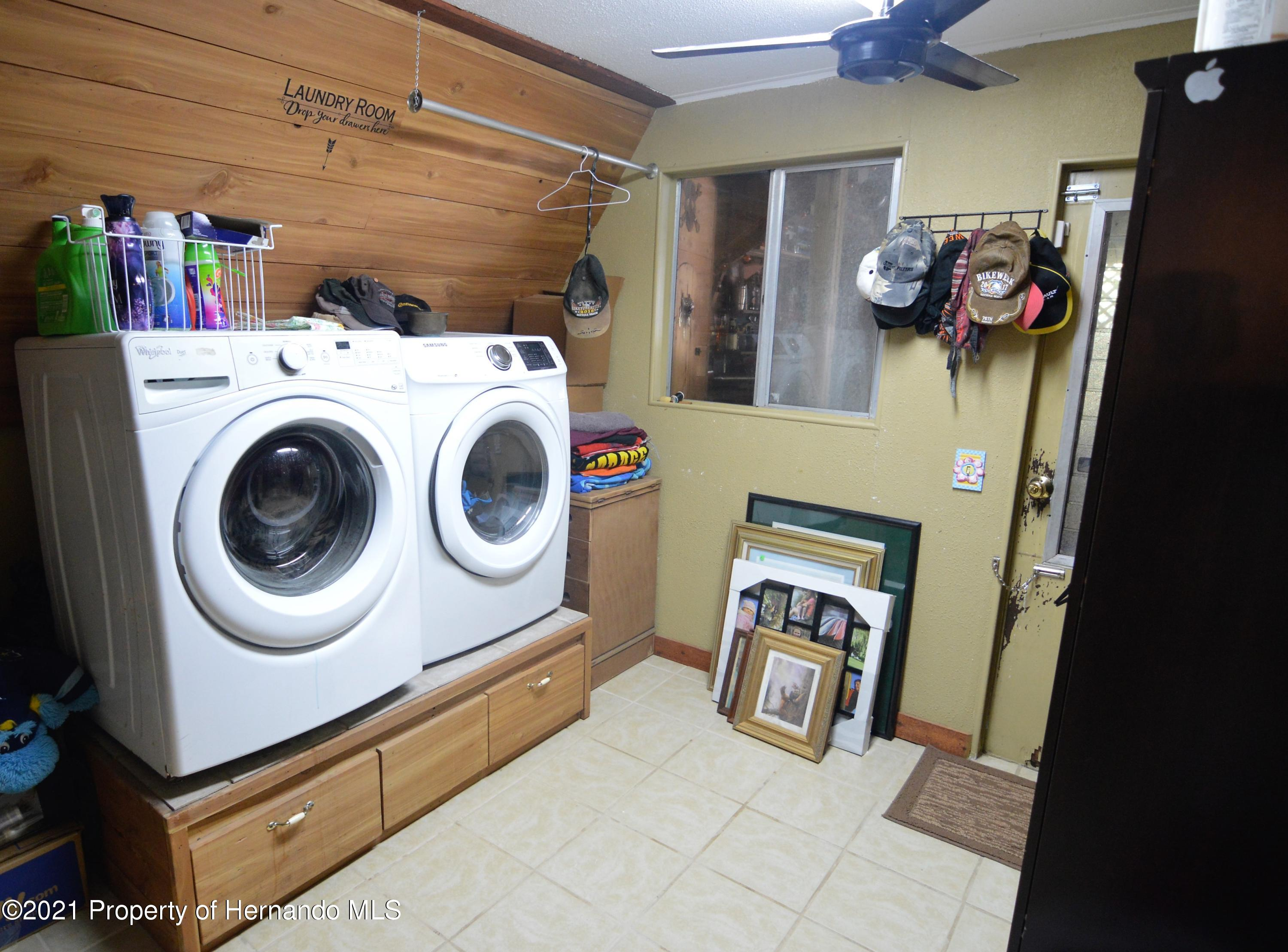 Listing photo id 37 for 22425 Cheraton Road