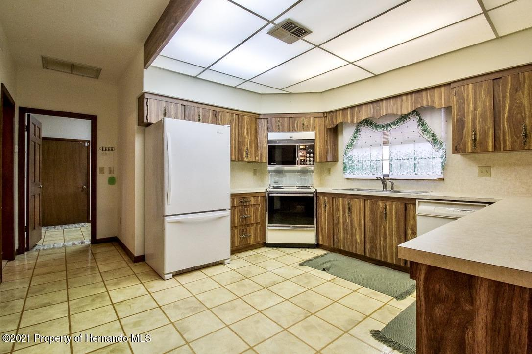 Listing photo id 3 for 7323 Griffin Road