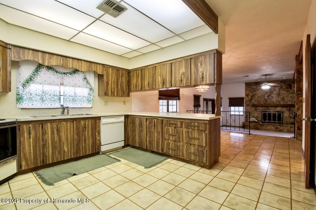 Listing photo id 4 for 7323 Griffin Road