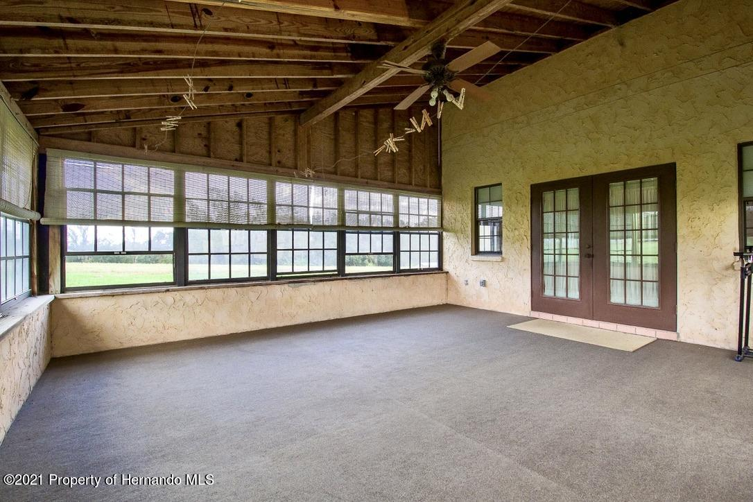 Listing photo id 10 for 7323 Griffin Road