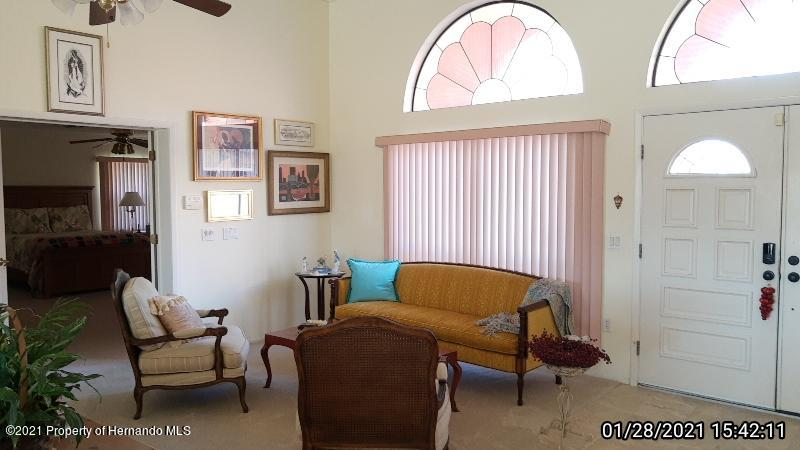 Listing photo id 24 for 10013 Twelve Oaks Court