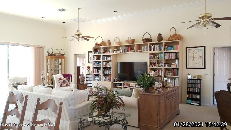 Listing photo id 26 for 10013 Twelve Oaks Court