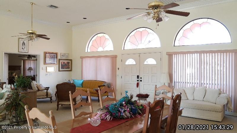Listing photo id 29 for 10013 Twelve Oaks Court