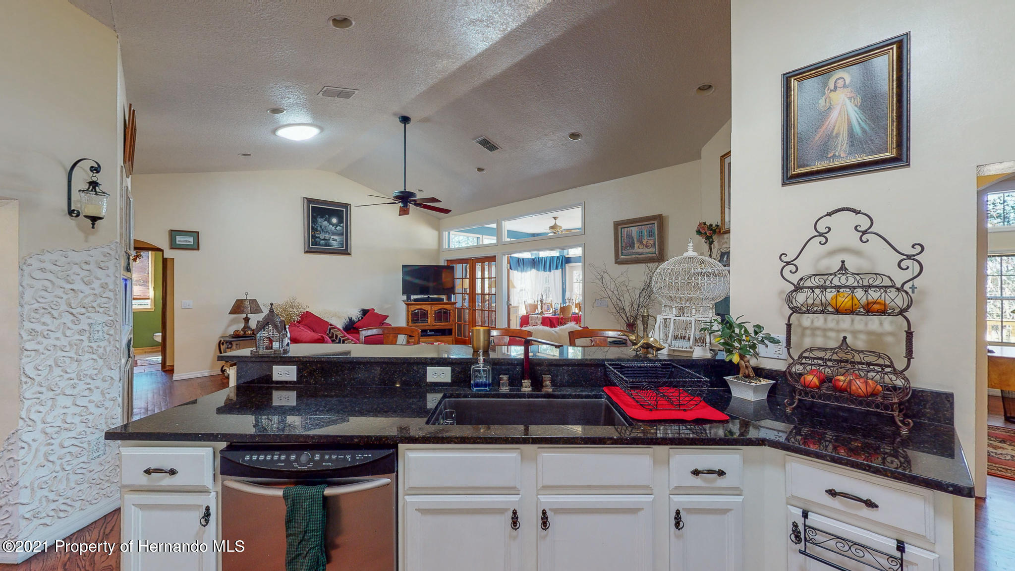 Listing photo id 75 for 2343 Gold Hill Road