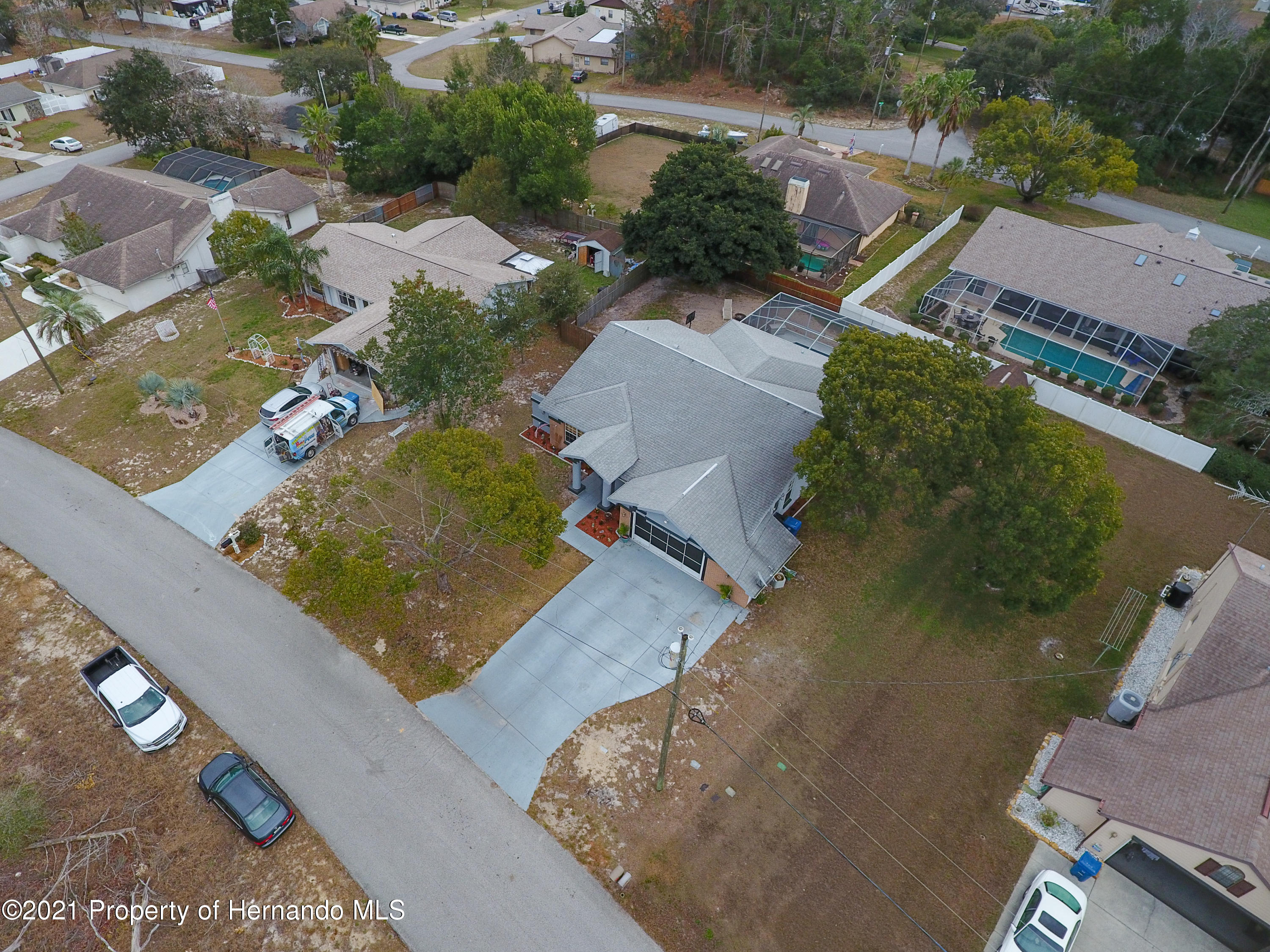 Listing photo id 50 for 6264 Dorset Road